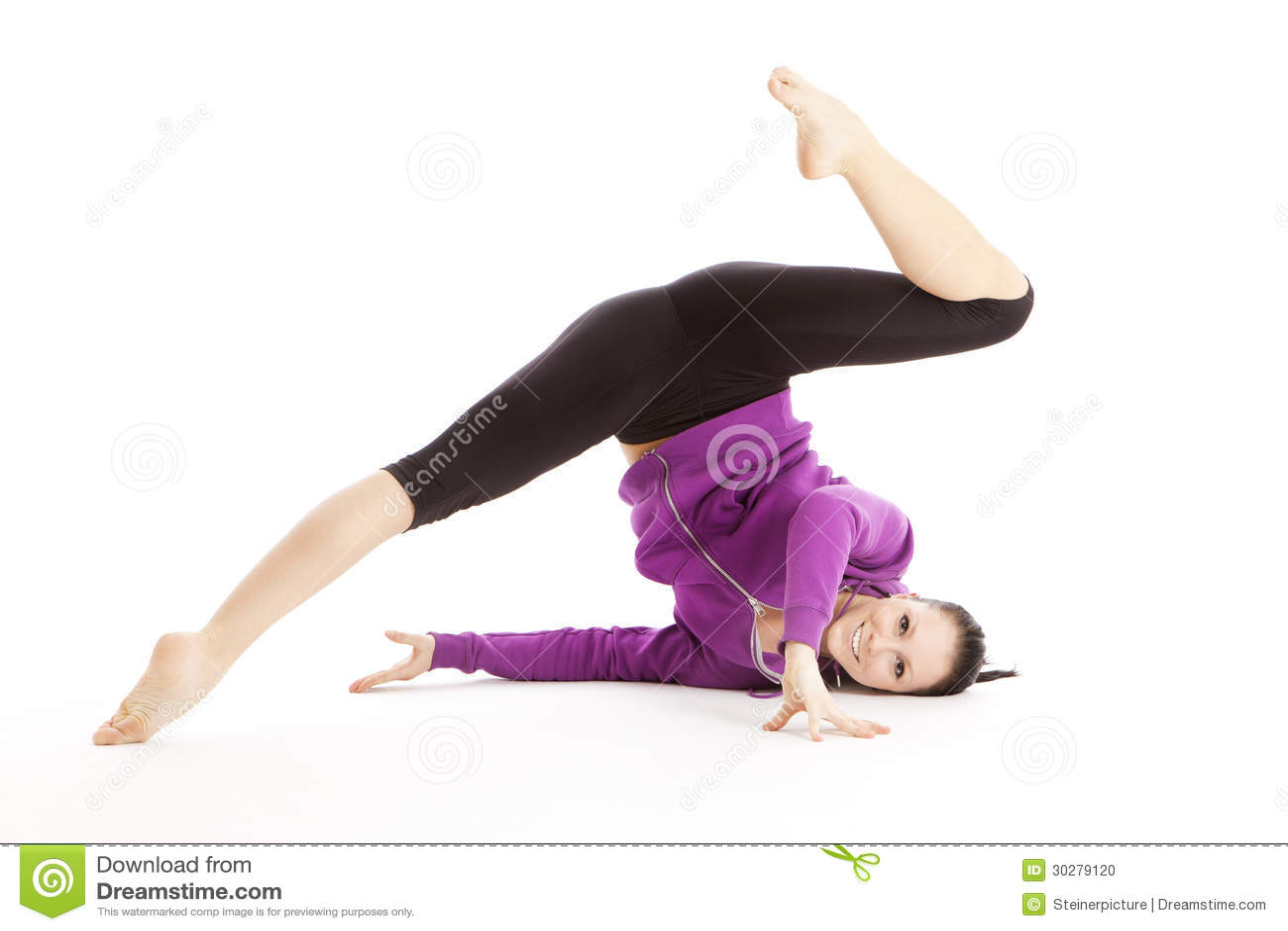 运动妇女做体操