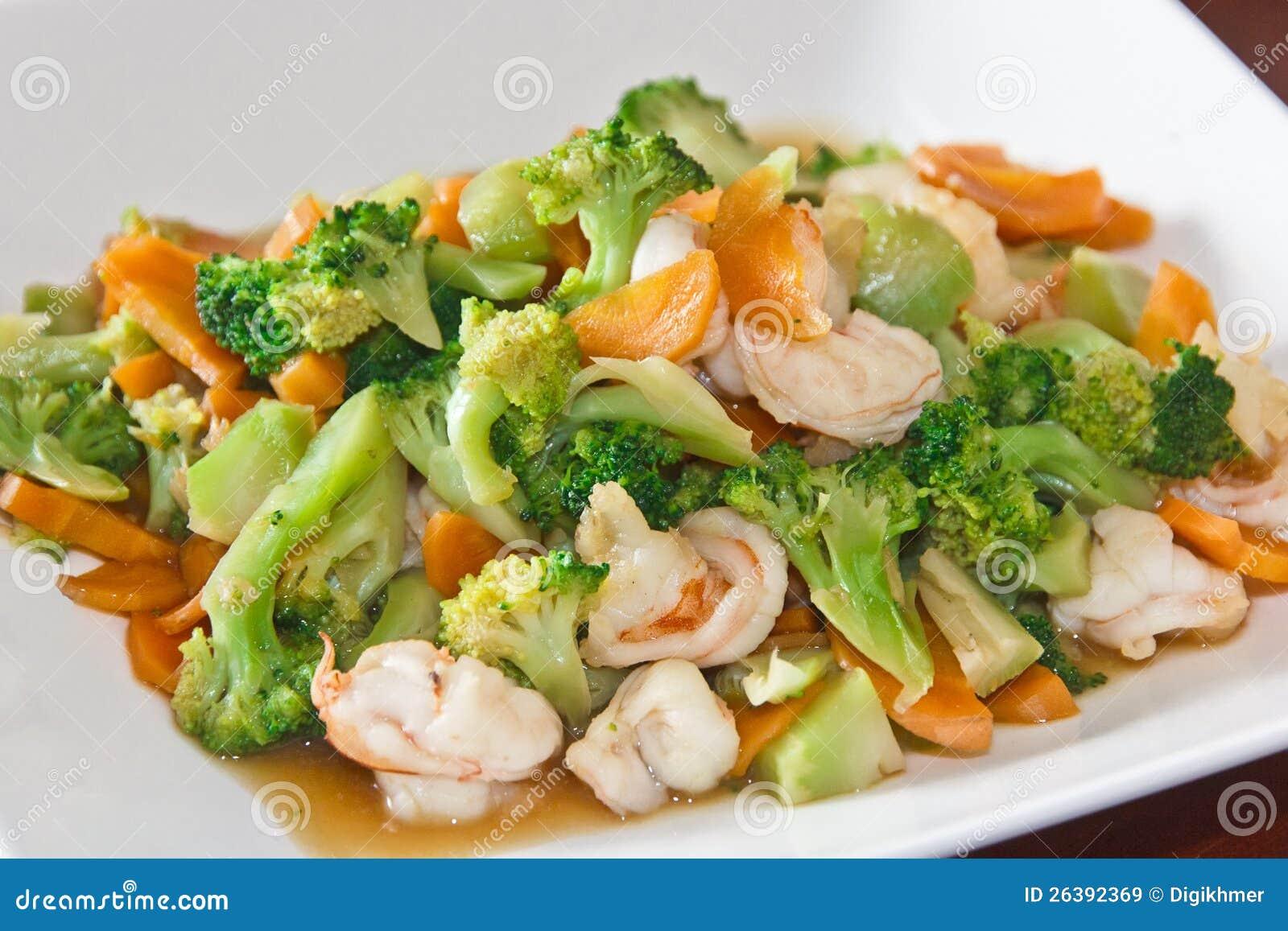 做的家食物搅动油炸物蔬菜