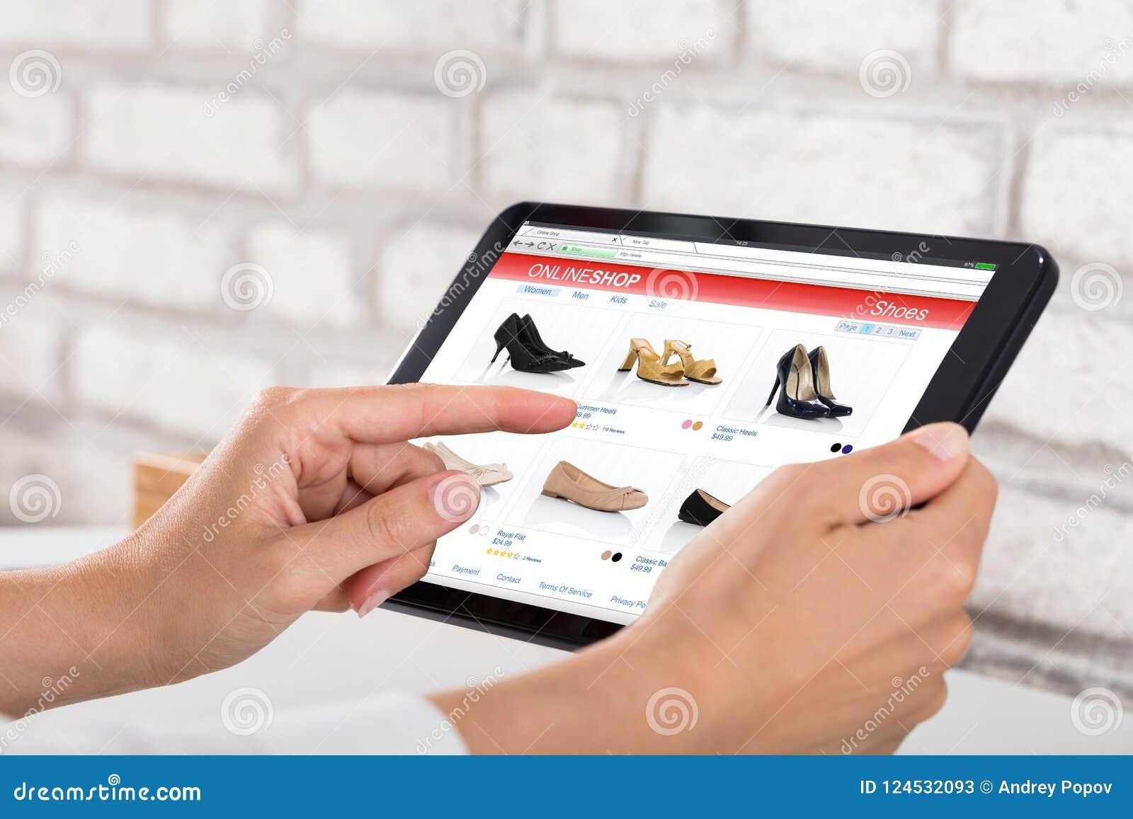 做网上购物的女实业家