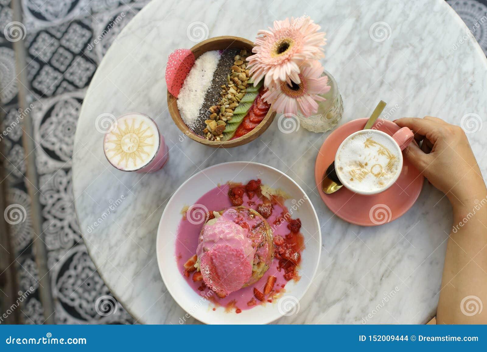 健康早餐在旅馆里,巴厘岛