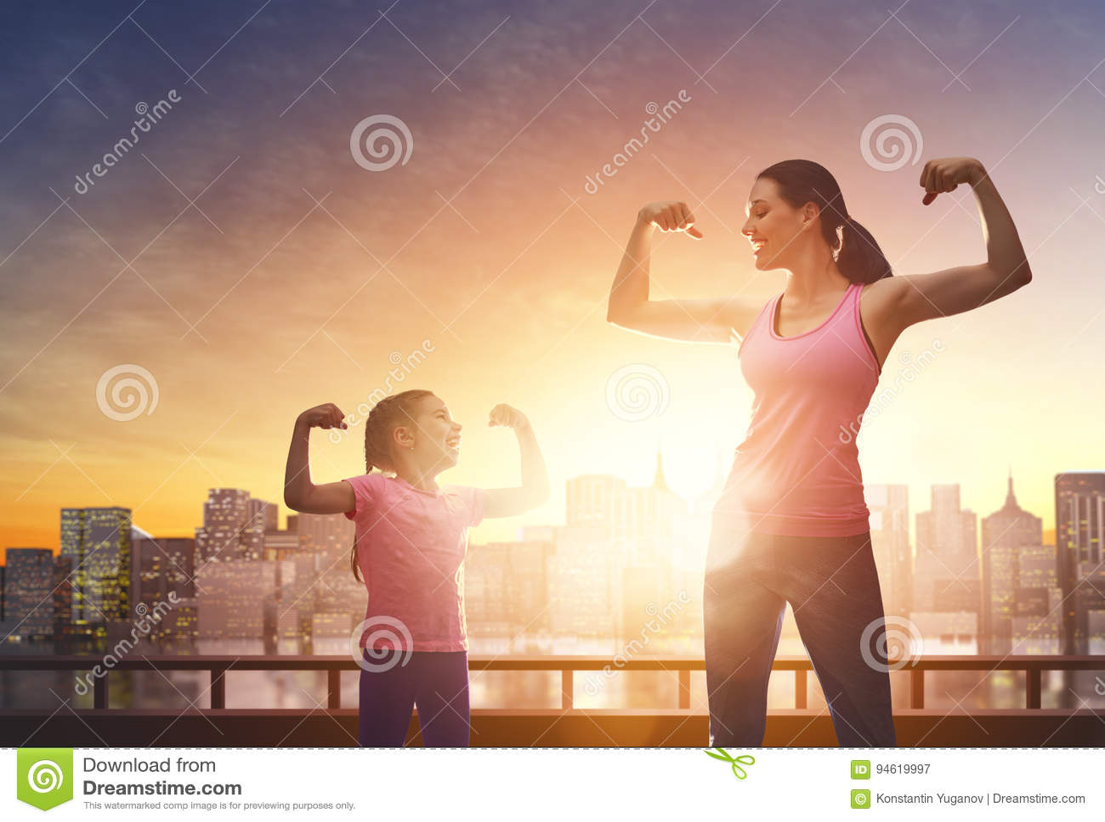 健康生活方式 循环户外系列愉快的孩子的自行车做父母体育运动二