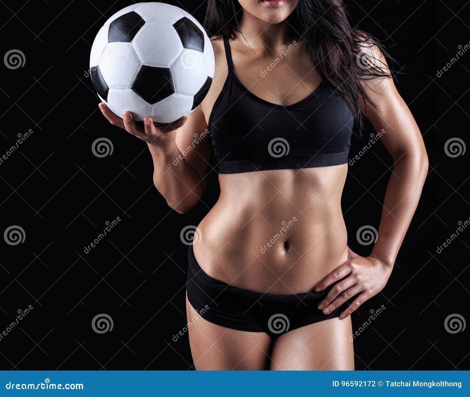 健身式样举行的足球美好的身体