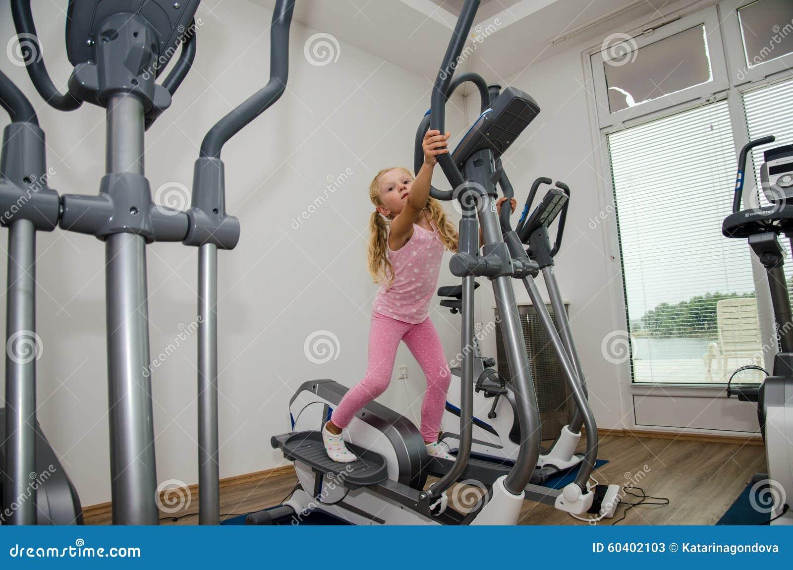 健身房的孩子