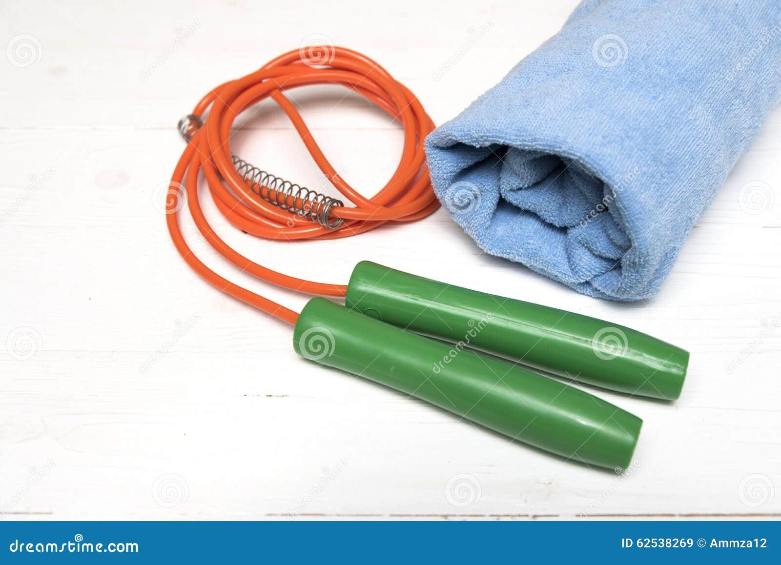 健身设备:毛巾,跳绳