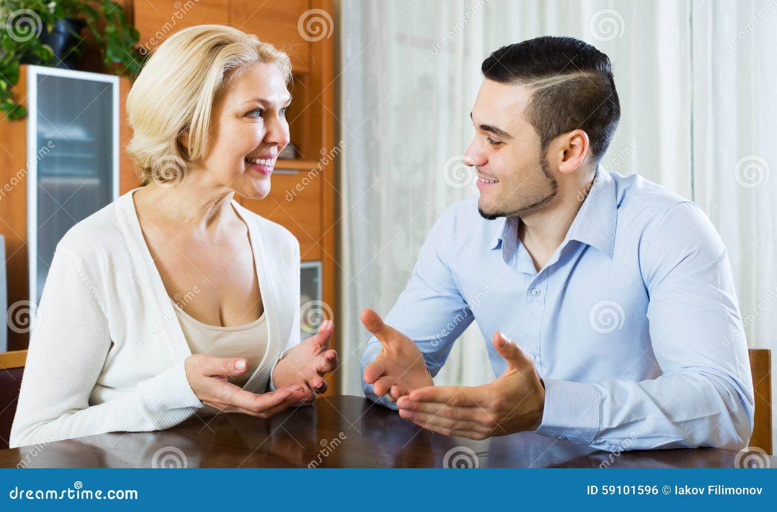 儿子谈话与资深母亲