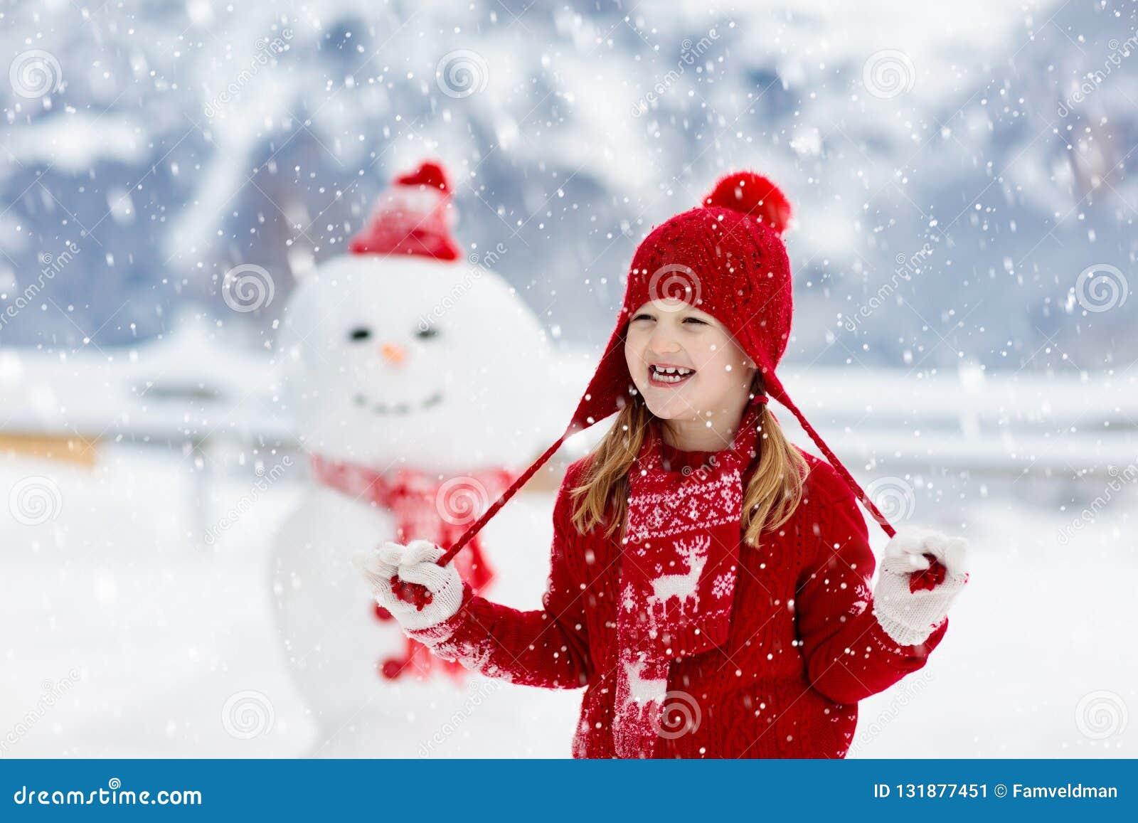 儿童大厦雪人 孩子修造雪人