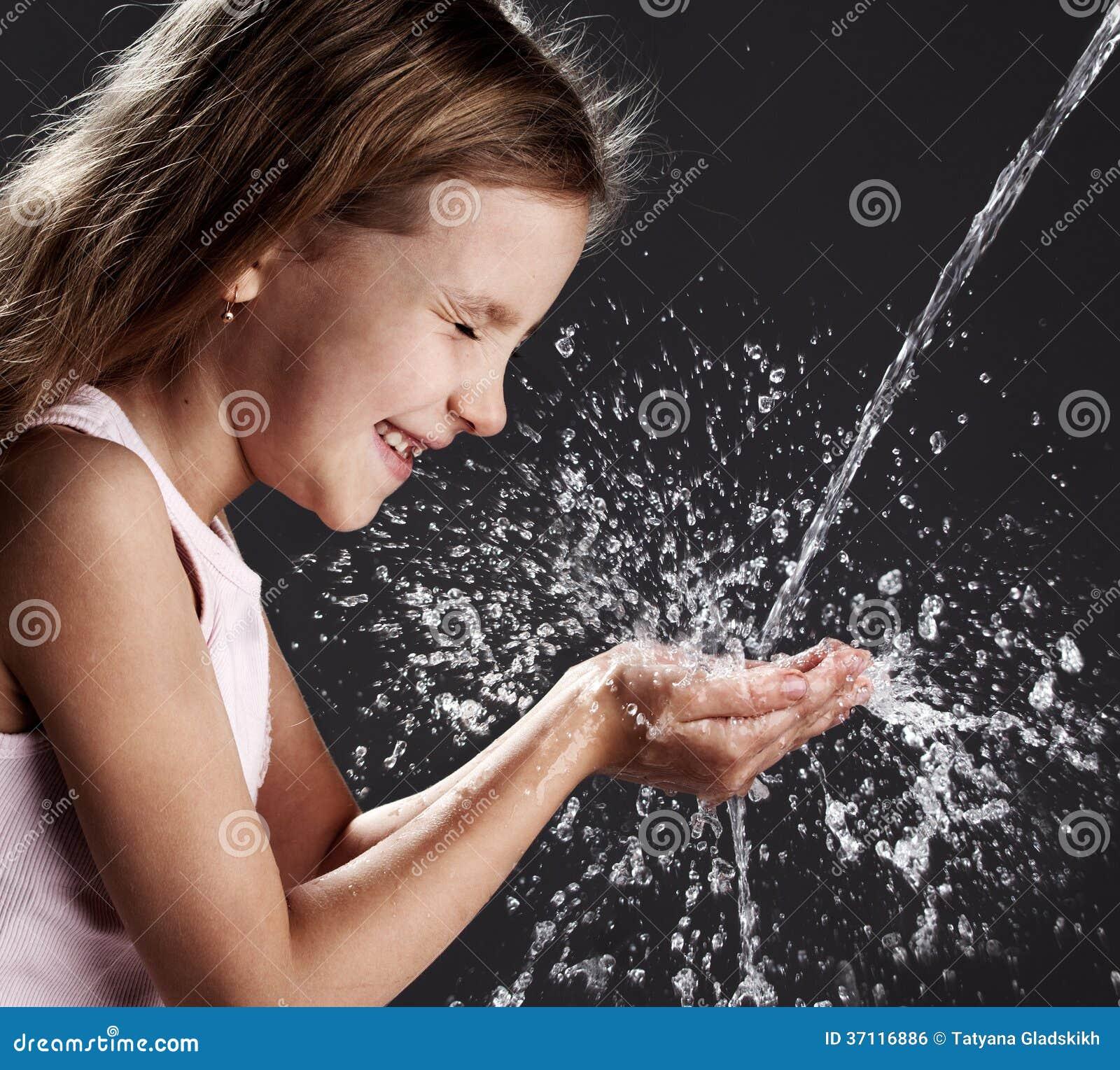 儿童游戏用水