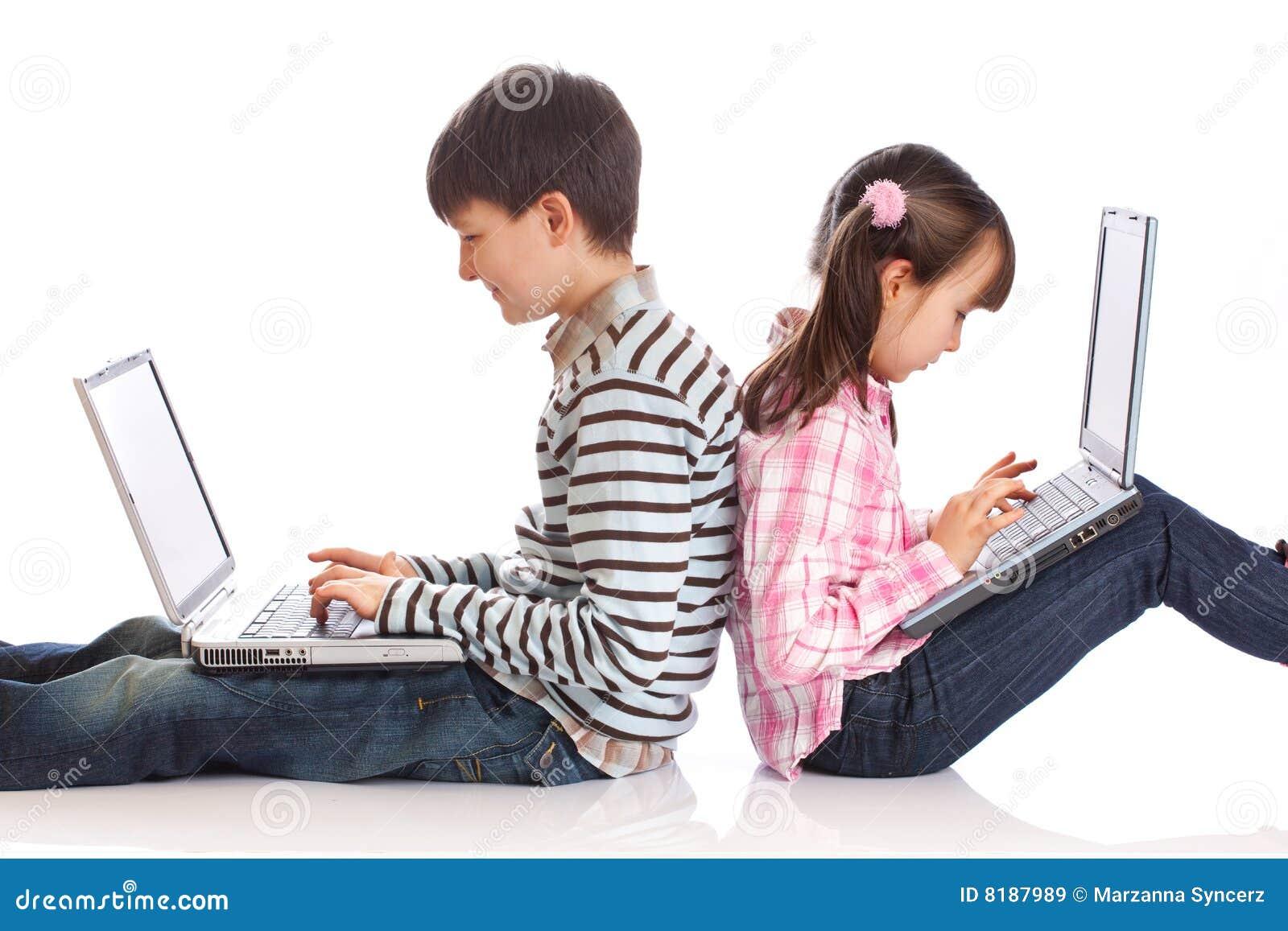 儿童膝上型计算机