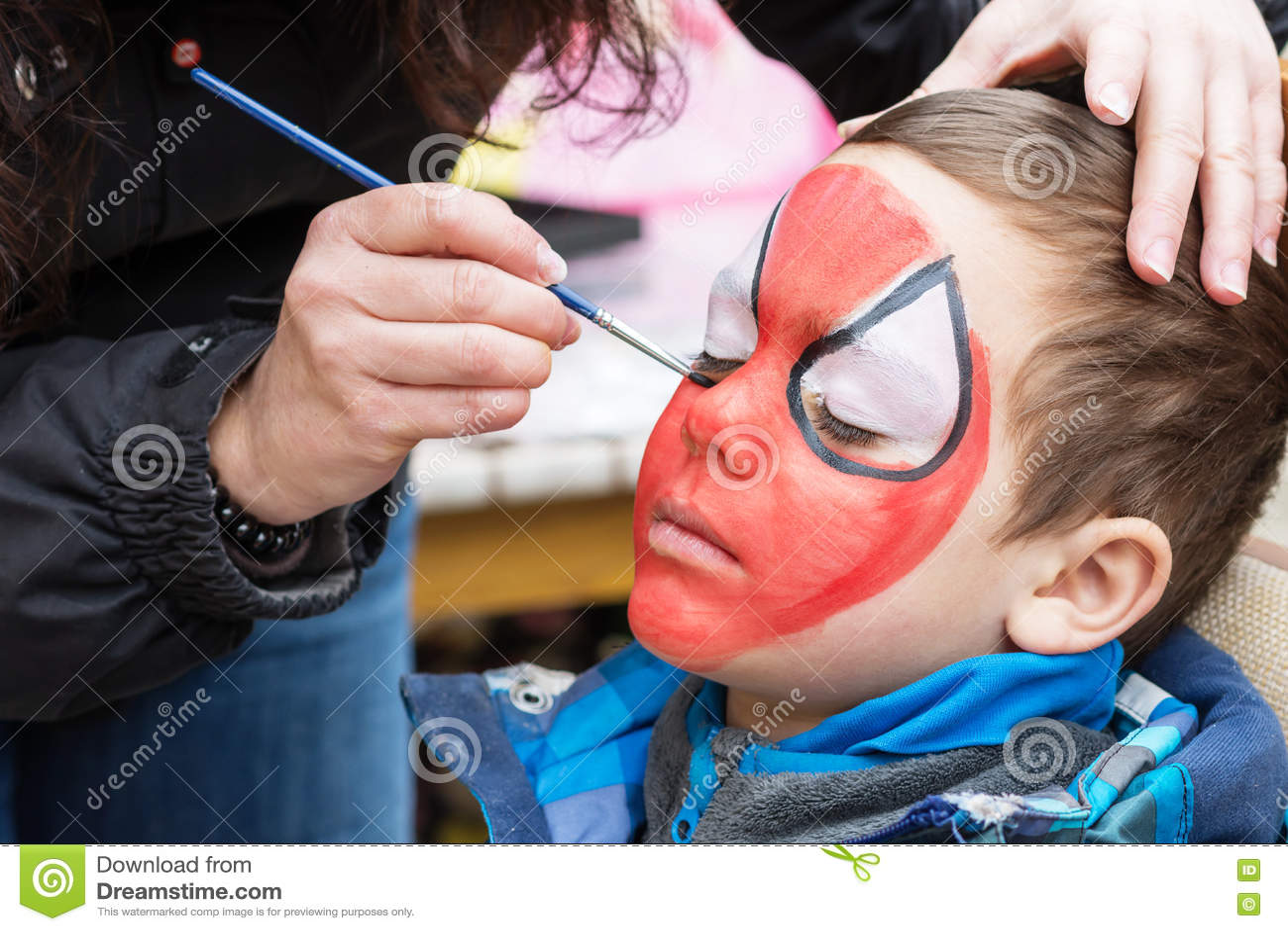 儿童面孔绘画