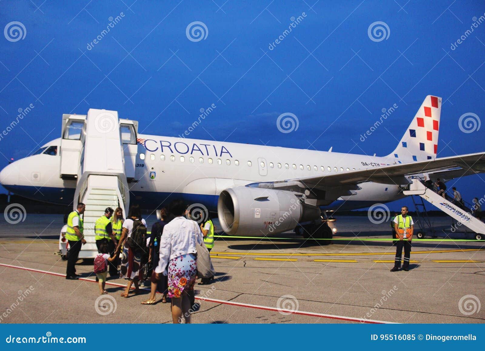 克罗地亚航空公司空中客车在普拉机场