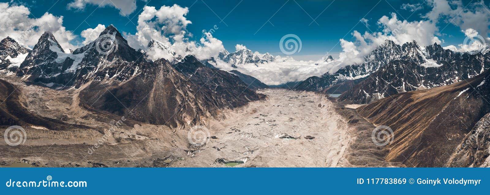 全景在Gokyo湖地区 尼泊尔