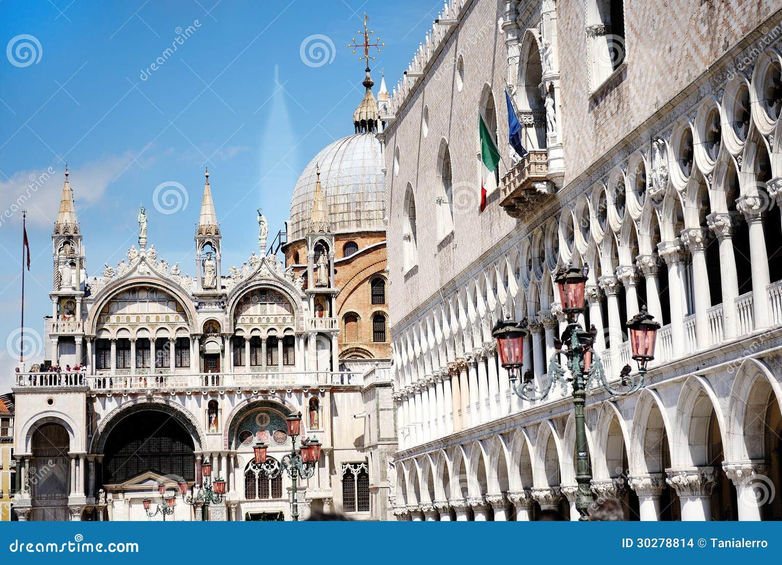 共和国总督的宫殿和圣马克的大教堂在威尼斯