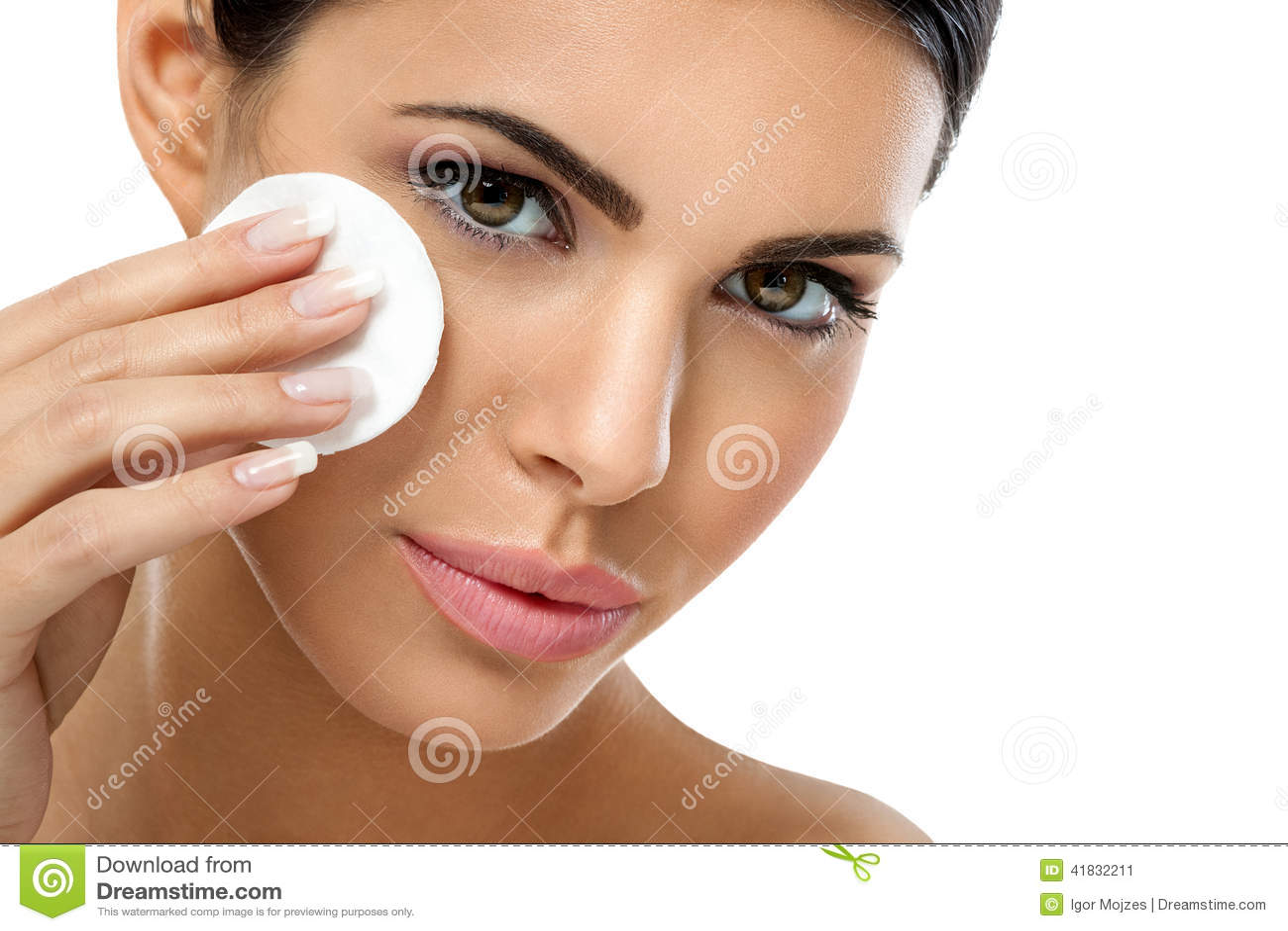 关心取消面孔构成的妇女与化装棉