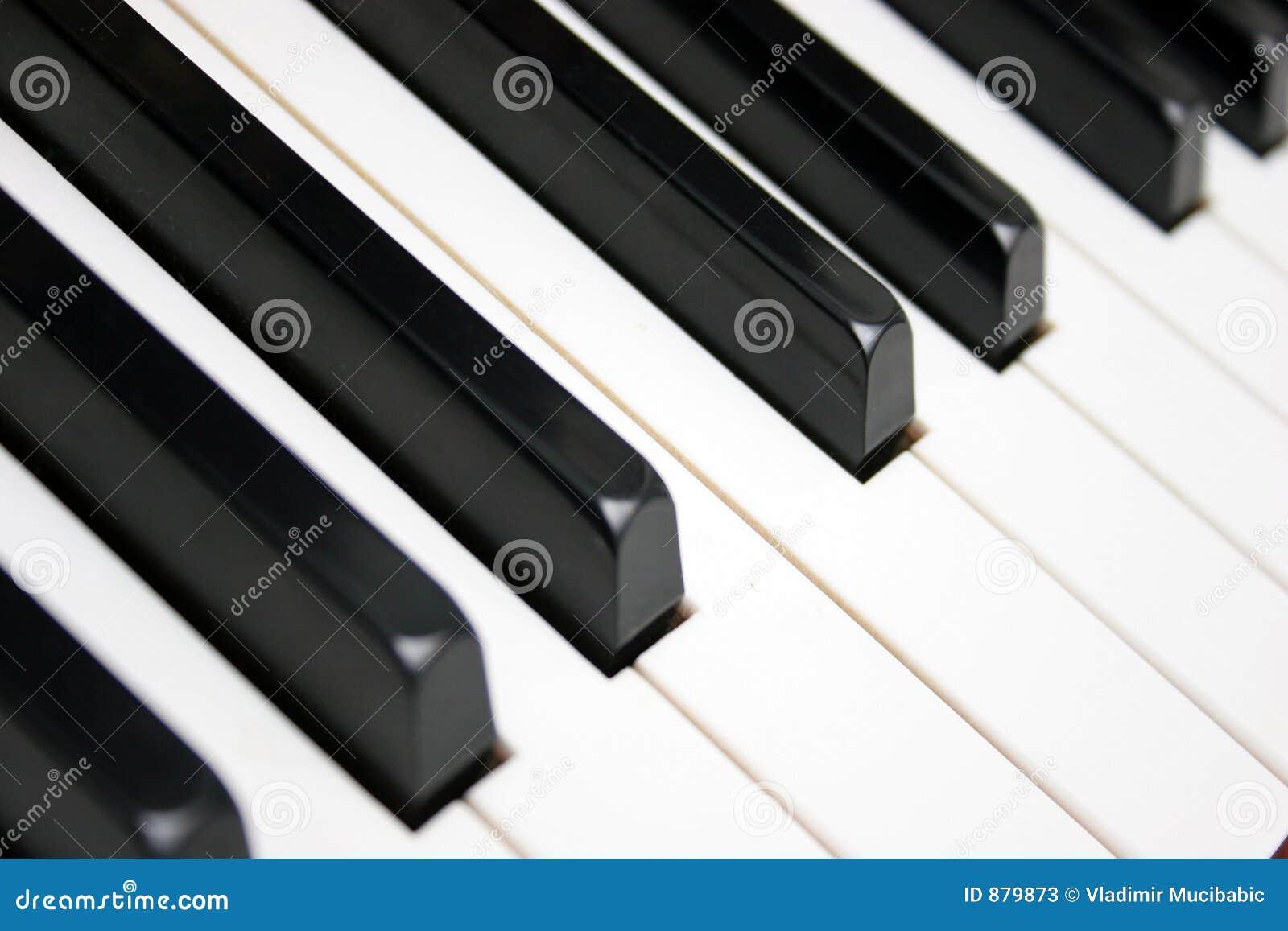 关键董事会钢琴