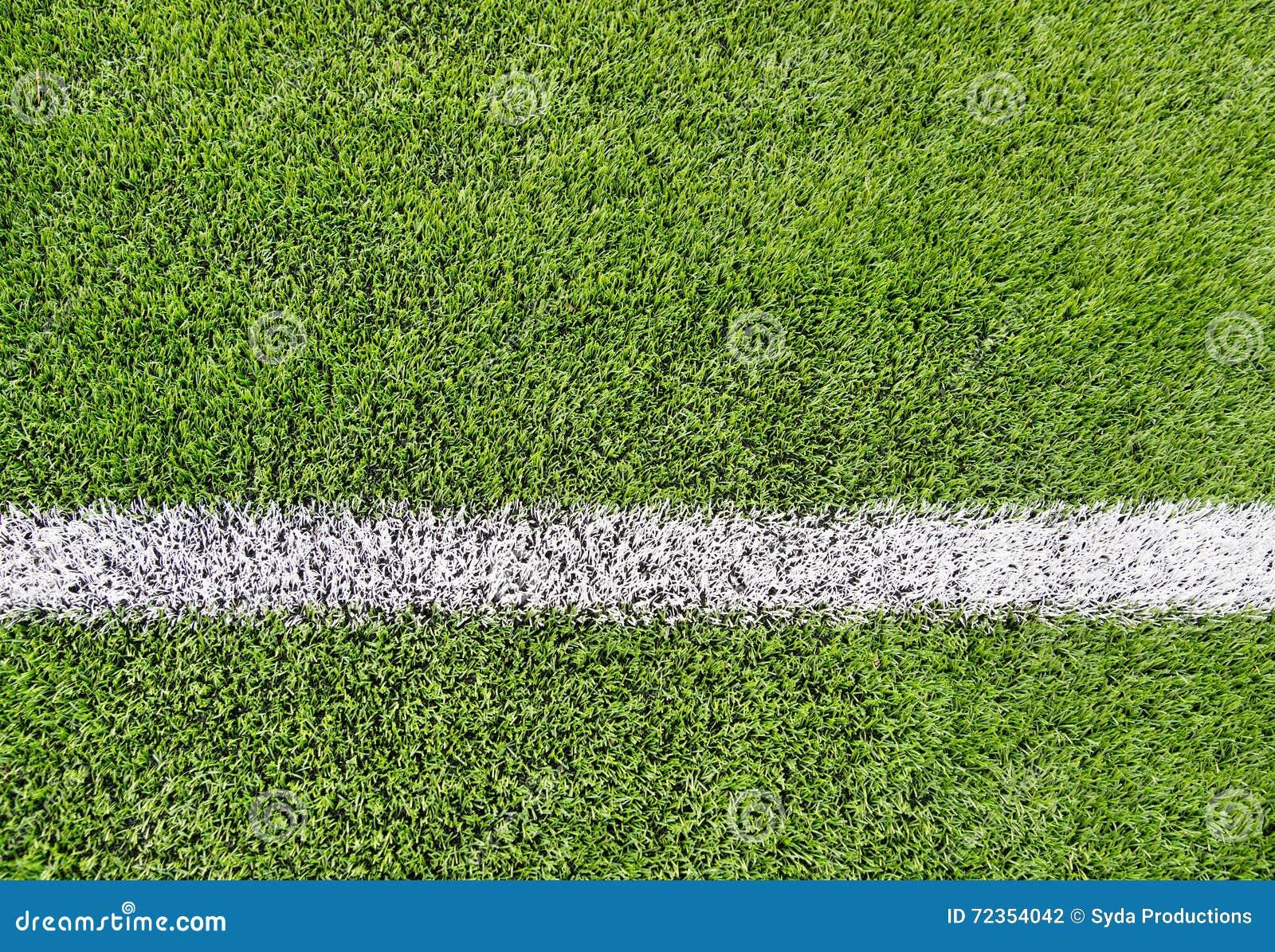 关闭与线和草的橄榄球场