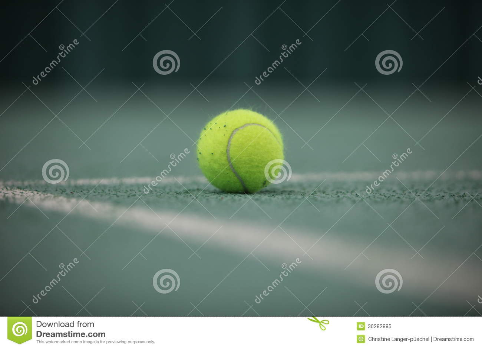 关闭在前景的网球