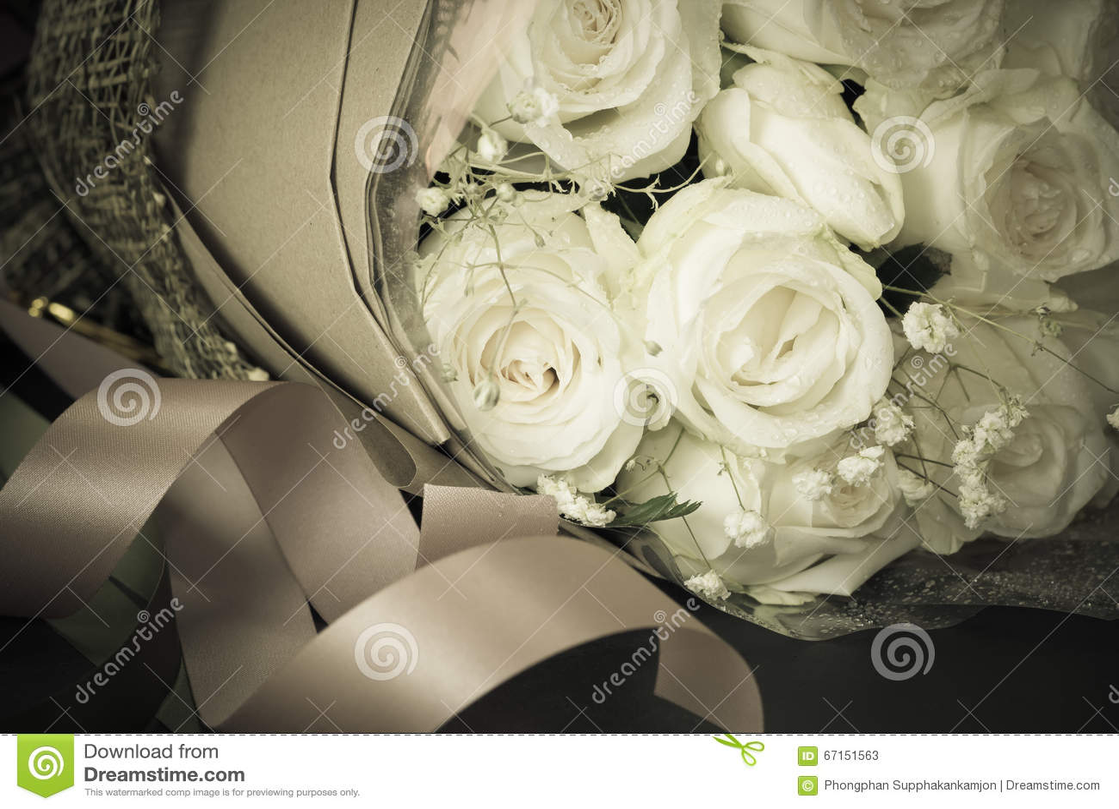 关闭新鲜的玫瑰花束,选择聚焦,葡萄酒tonin