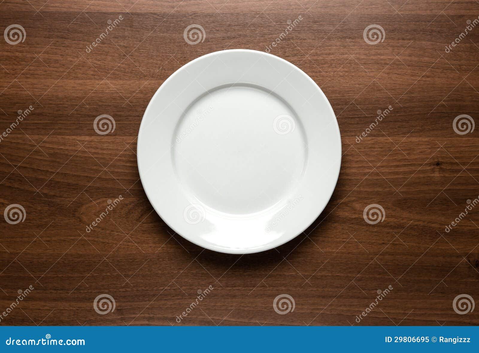 空的板材在桌