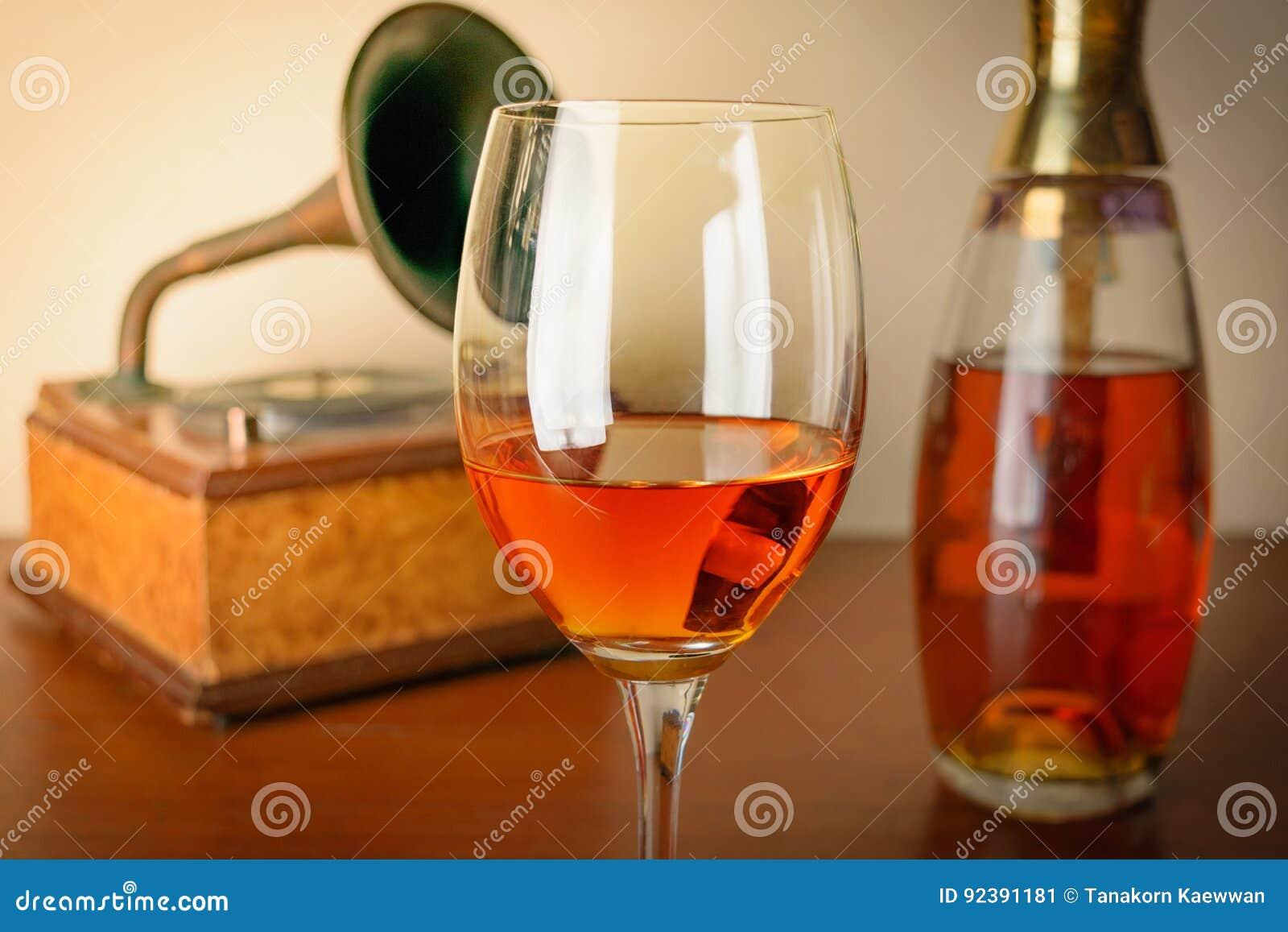 关闭老威士忌酒和buttle