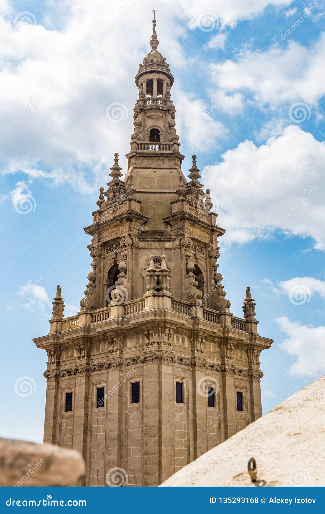 其中一个国家博物馆的塔在巴塞罗那,西班牙