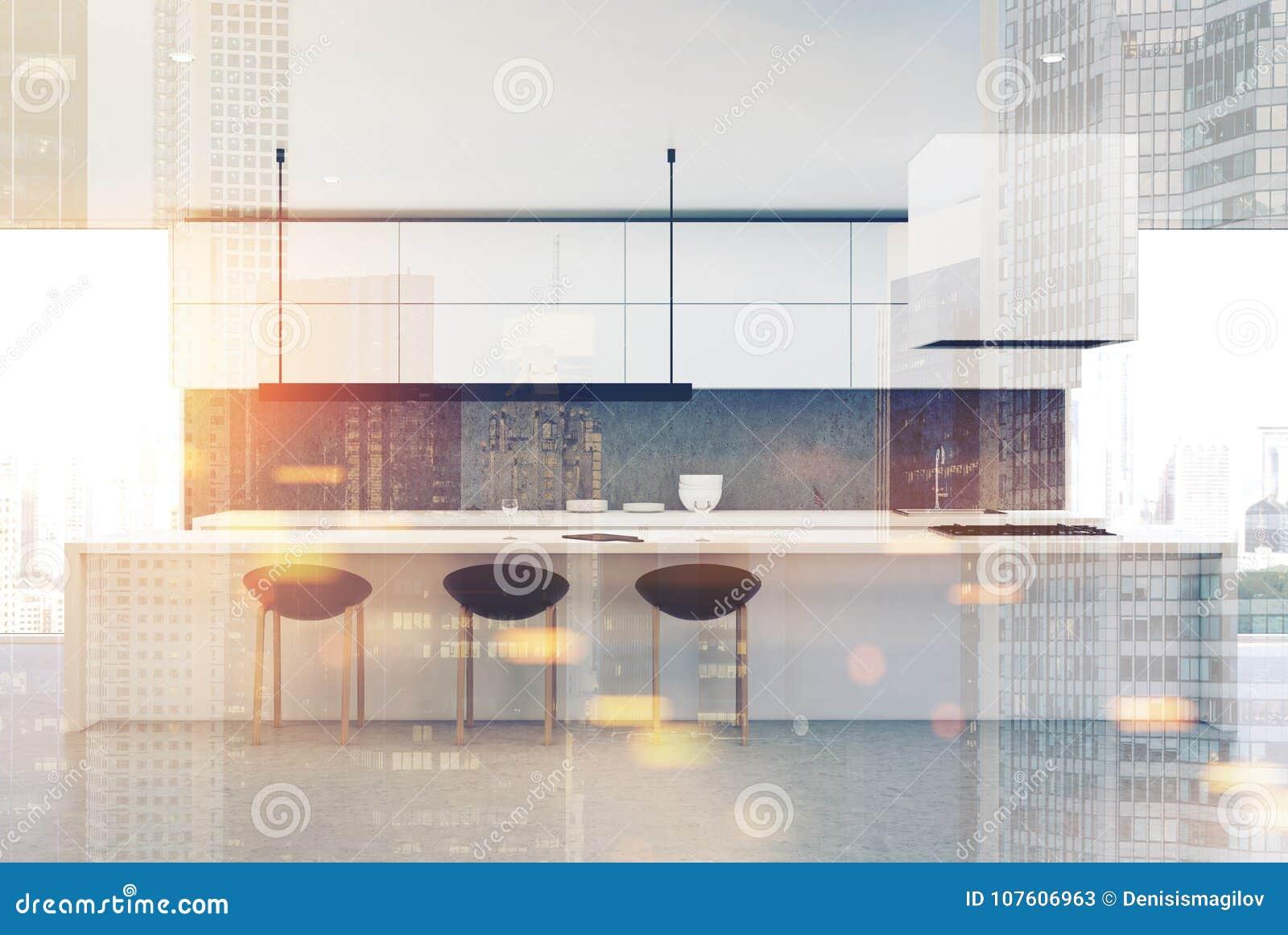 具体地板厨房,白色桌,朝向定调子