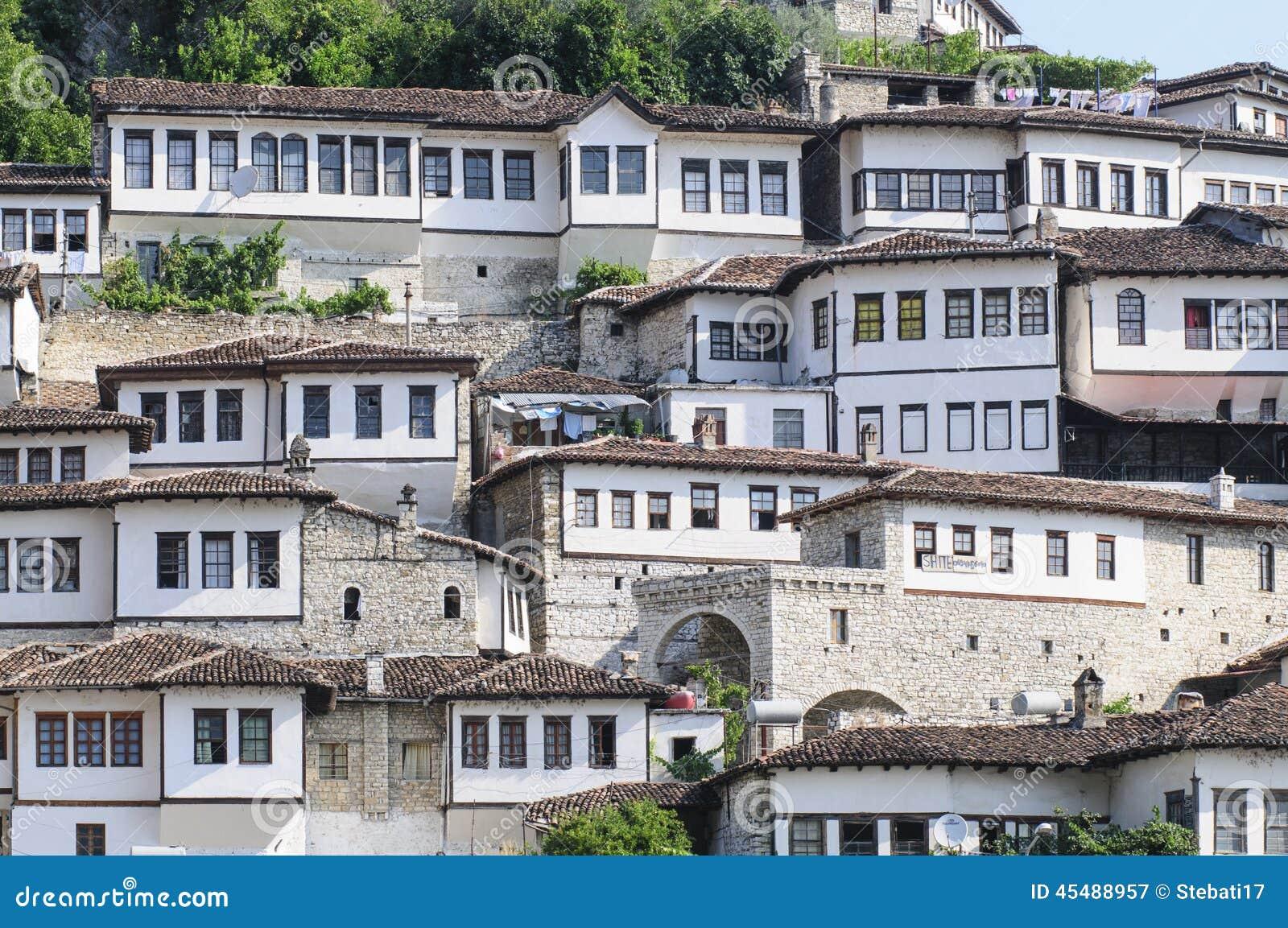 典型的房子berat阿尔巴尼亚欧洲