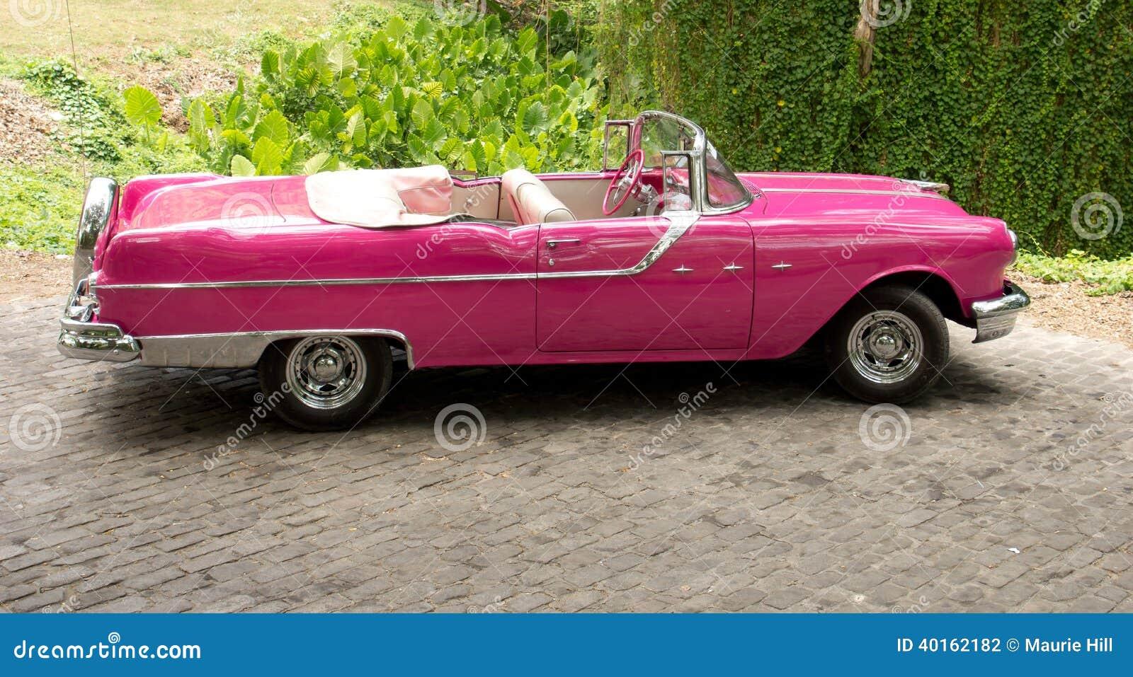 从20游人40女王和20年代50年代的美国汽车是对狮子的一种大吸引力在世纪世纪马蒂陶图片