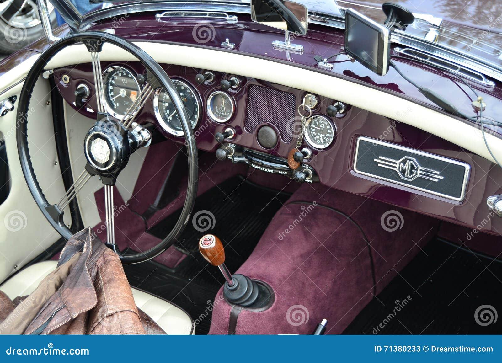 经典MG汽车方向盘