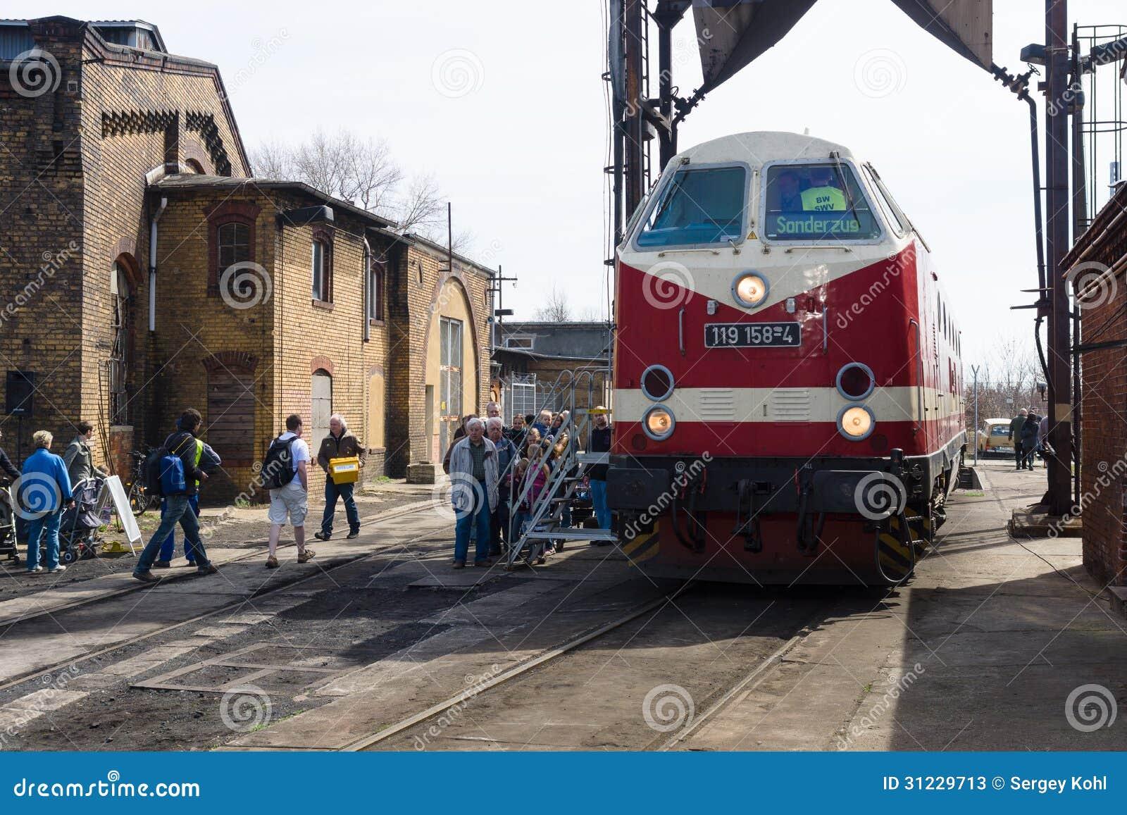 """内燃机车DR类119 (""""8月23日""""布加勒斯特机车工作)"""