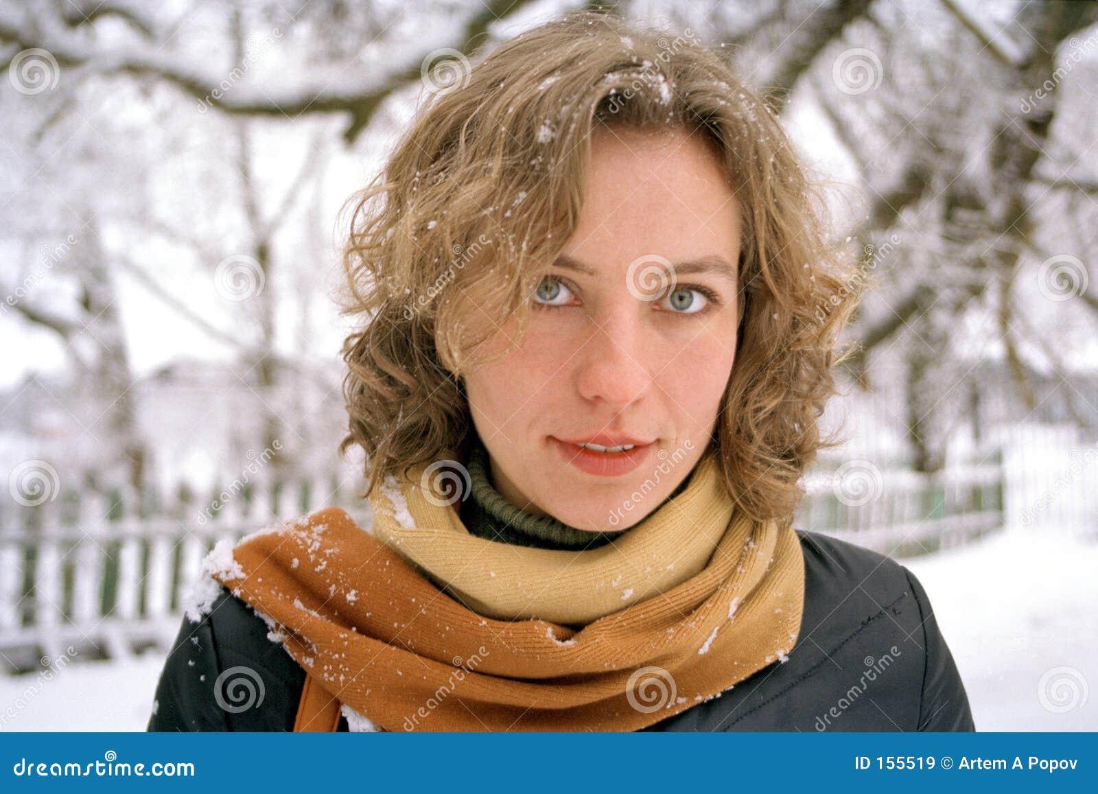 冬天妇女年轻人