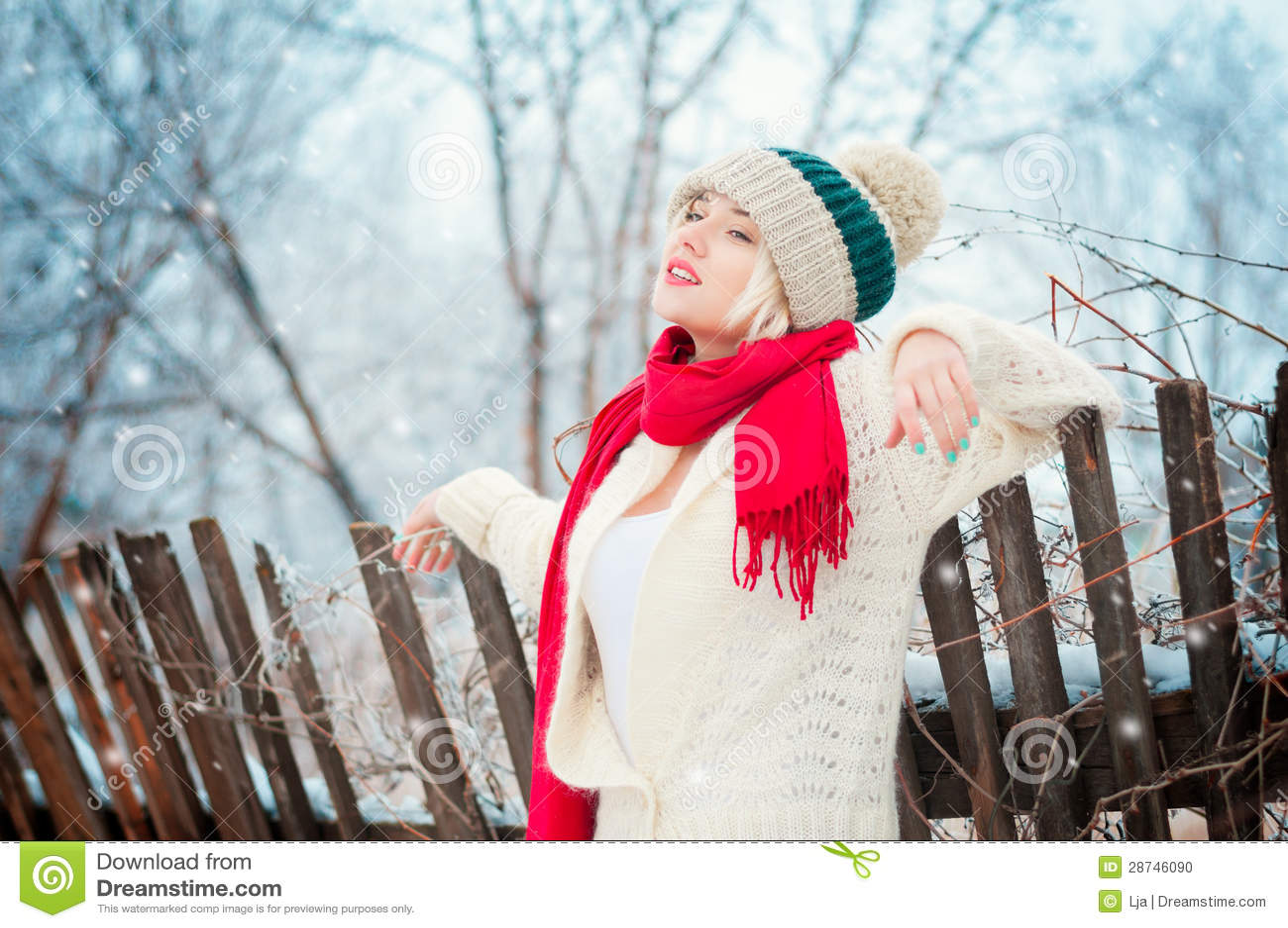 冬天妇女纵向