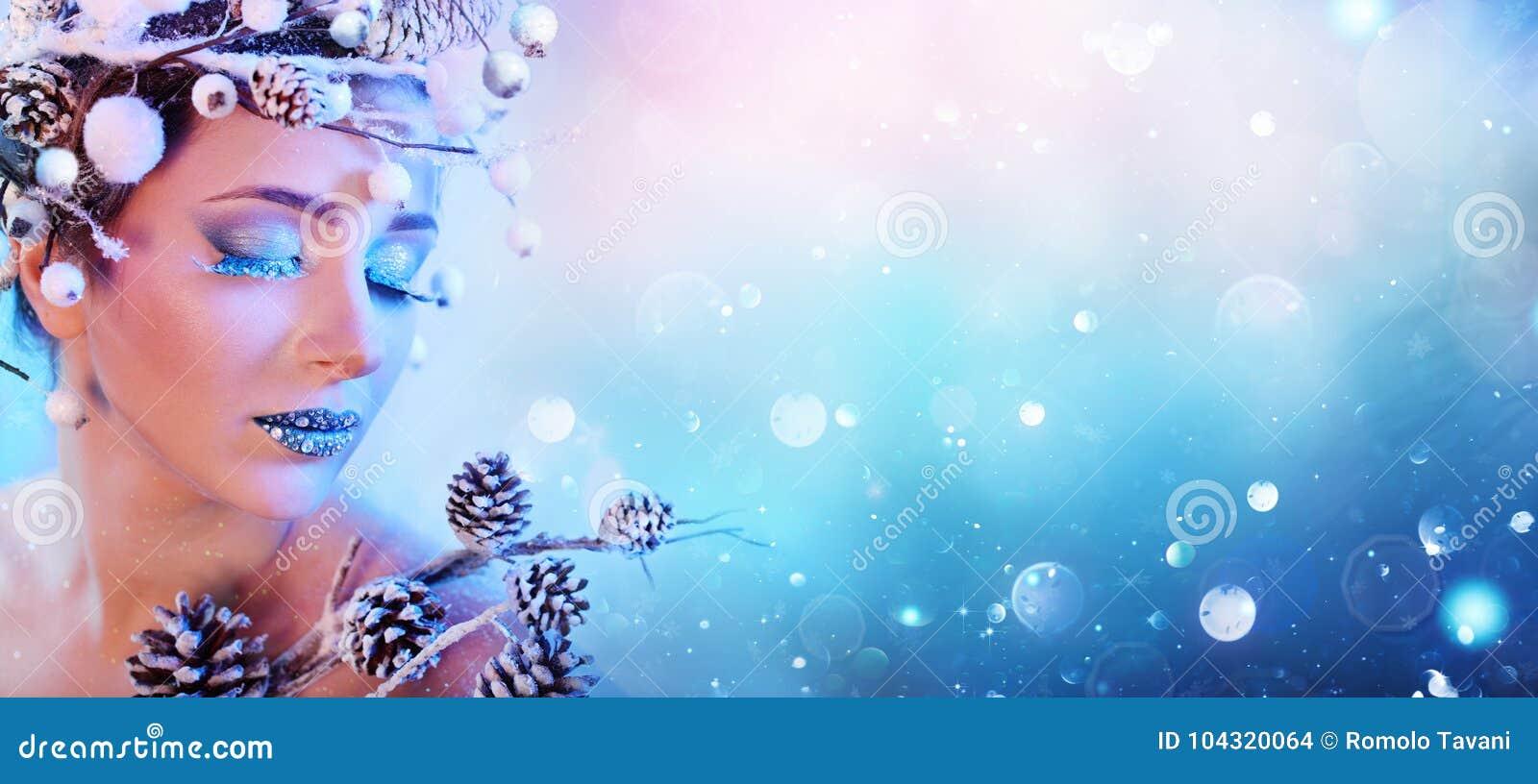 冬天妇女-秀丽时装模特儿女孩