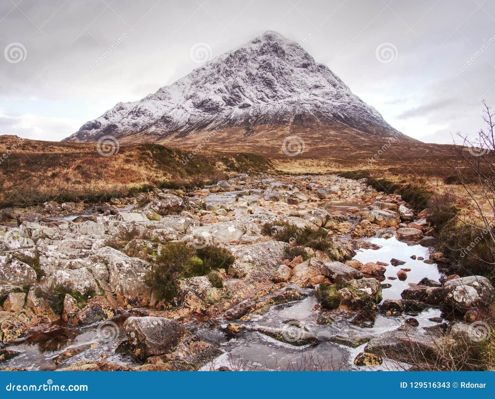 冬天艰苦跋涉 Buachaille Etive平均观测距离在Glencoe, t他苏格兰的高地