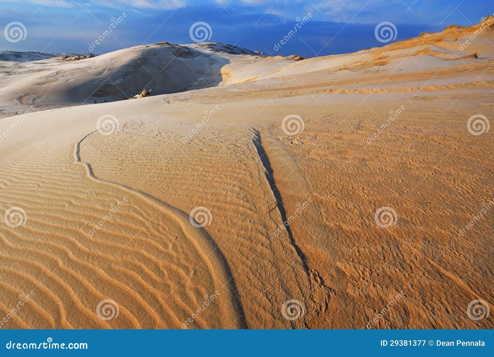 冬天,银色湖沙丘