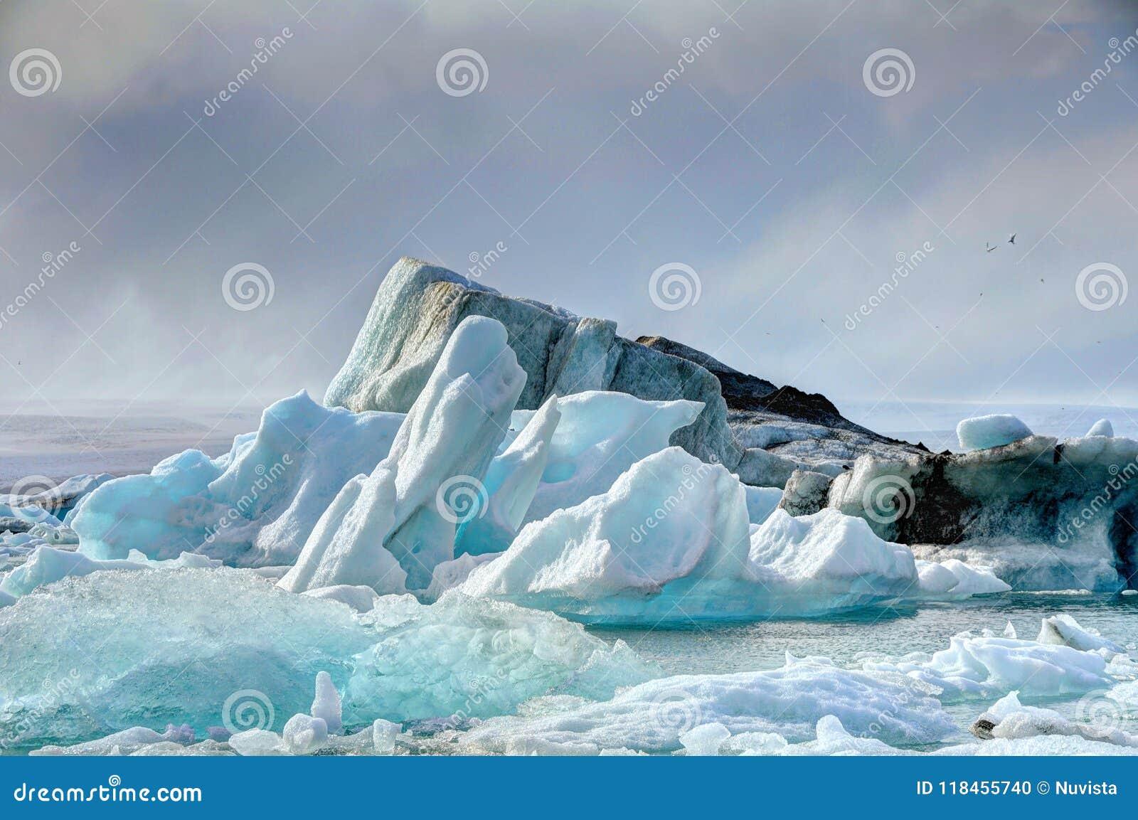 冰川盐水湖