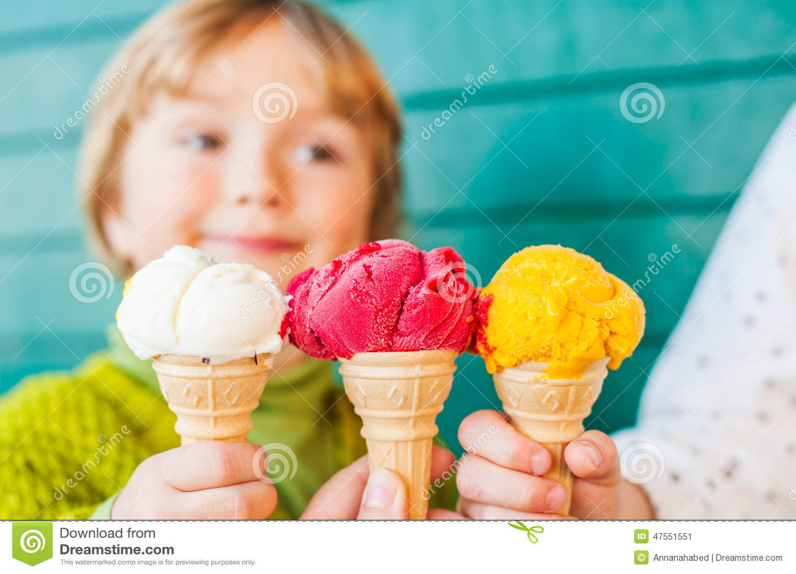 冰淇凌三个玉米