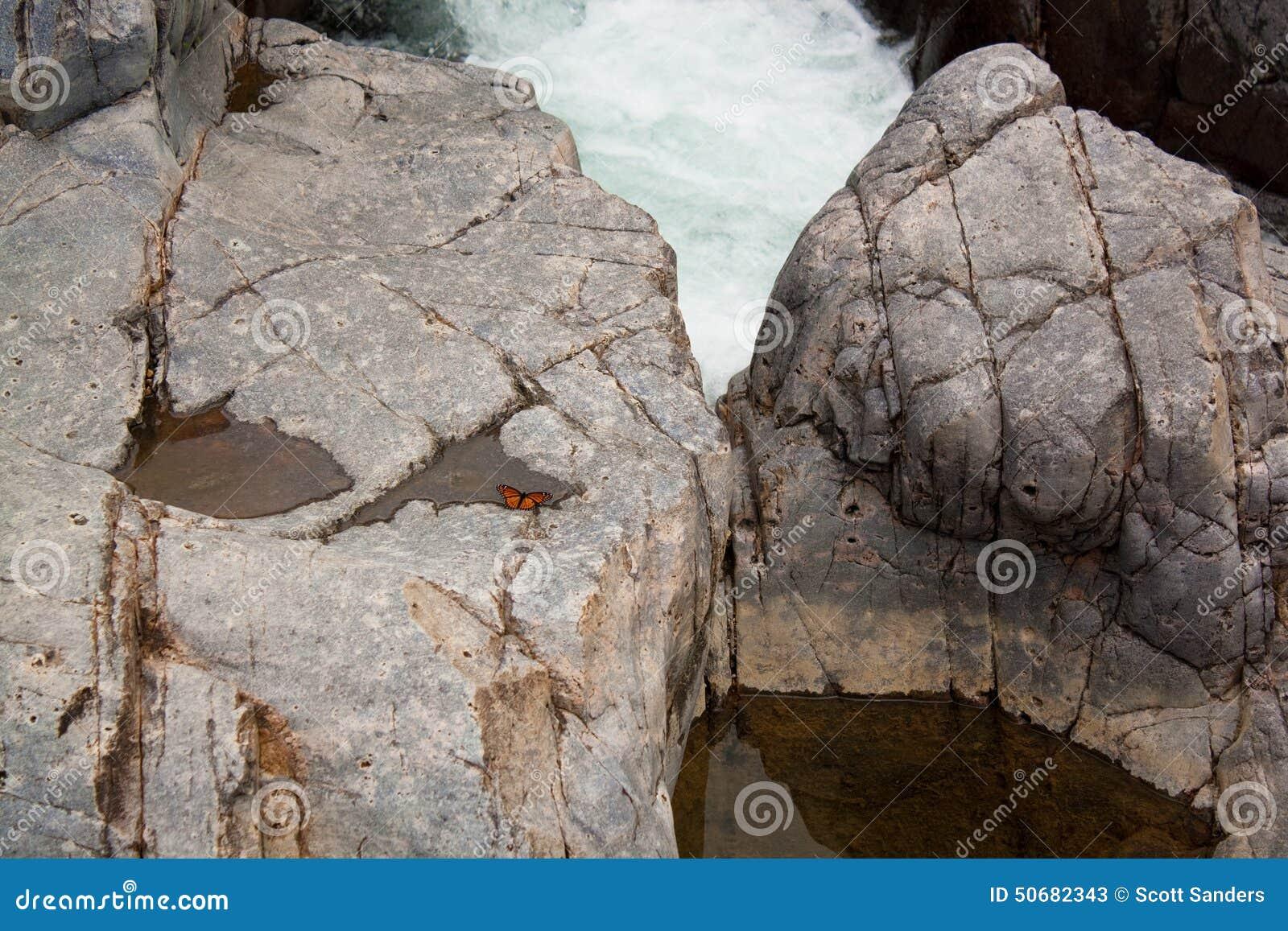 Download 冰砾 库存图片. 图片 包括有 冰砾, 约翰逊, 瀑布, 空白, 密苏里, 水坑, 状态, 岩石 - 50682343