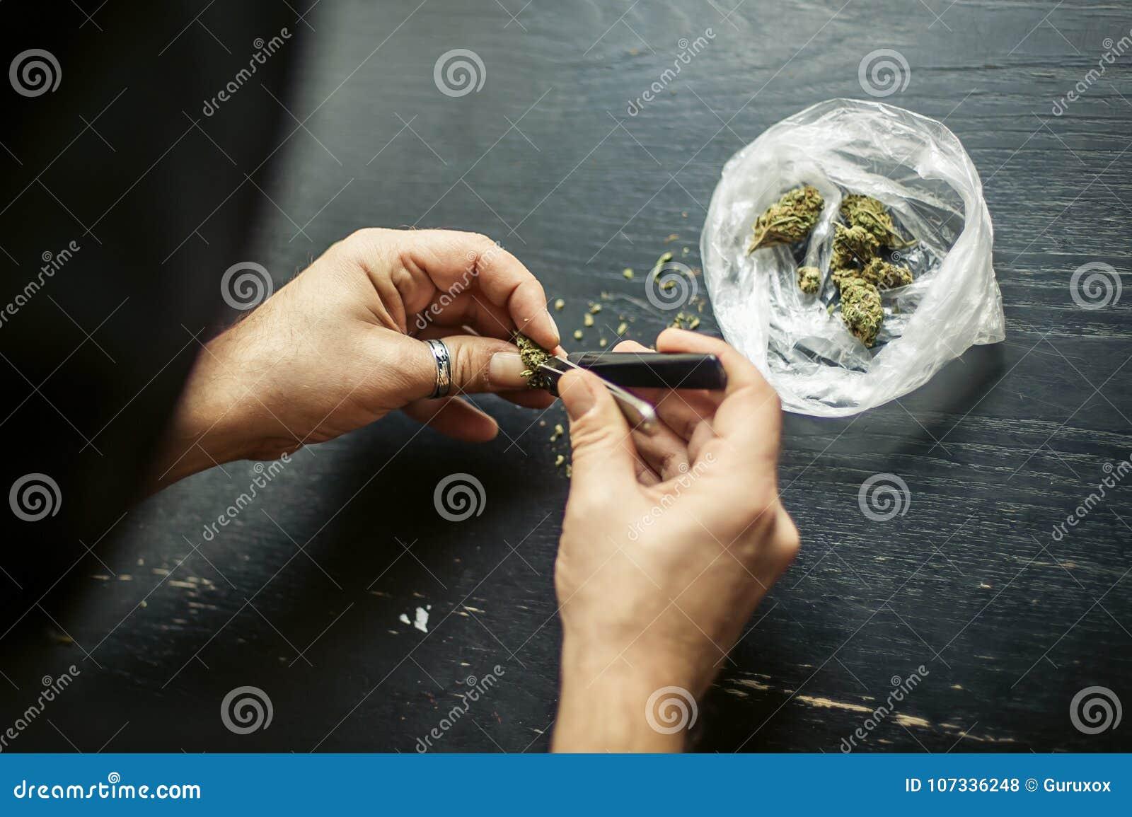 准备大麻大麻联接 使麻醉概念服麻醉剂