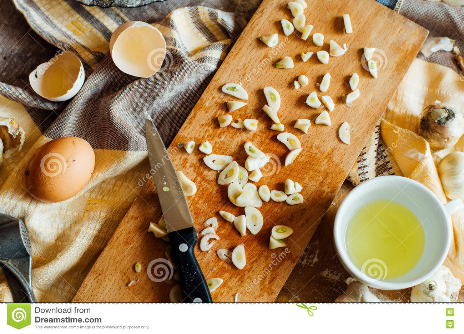 准备小圆面包面包 土气样式 自创增殖比的成份