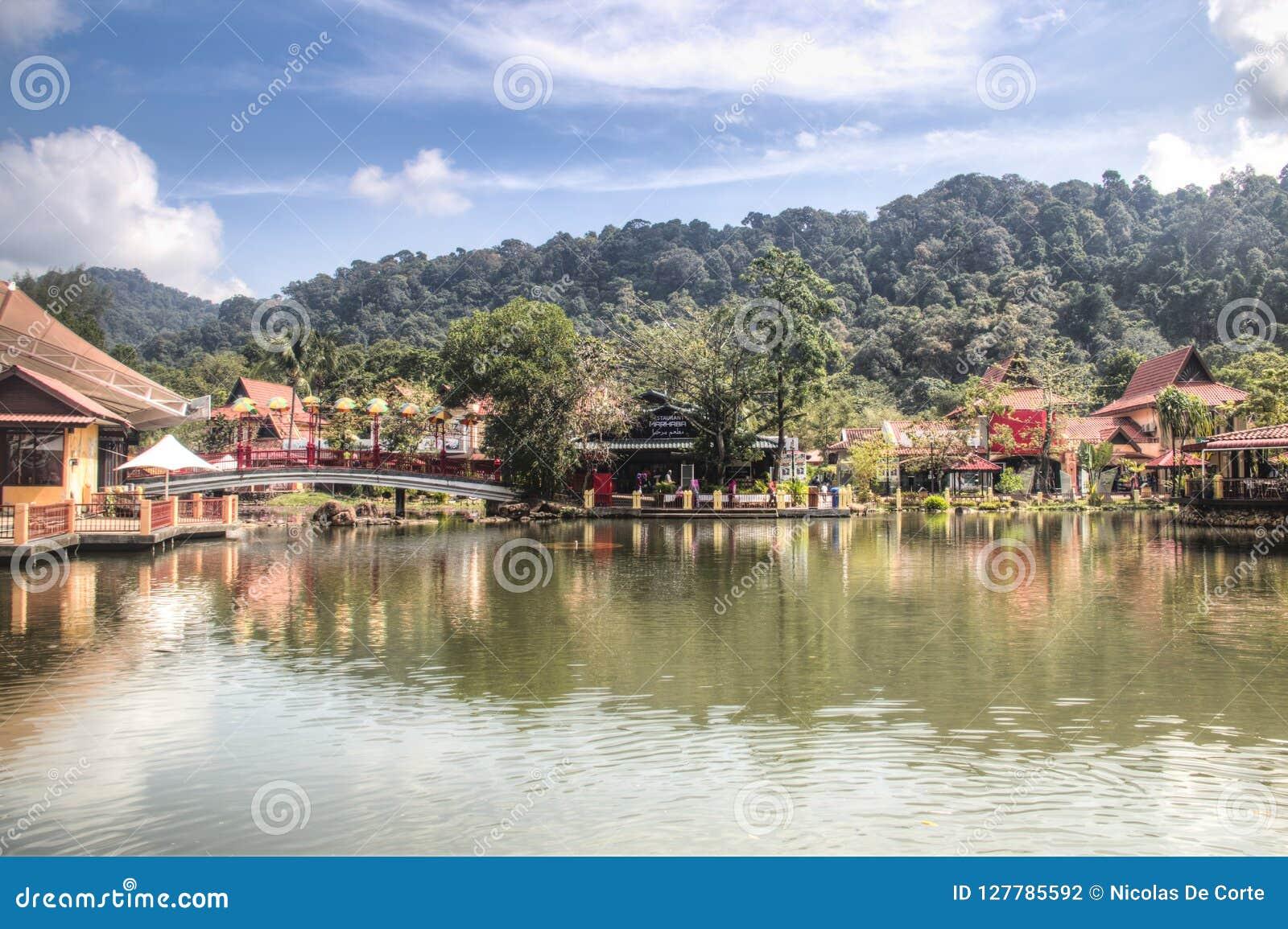 凌家卫岛东方村庄在马来西亚