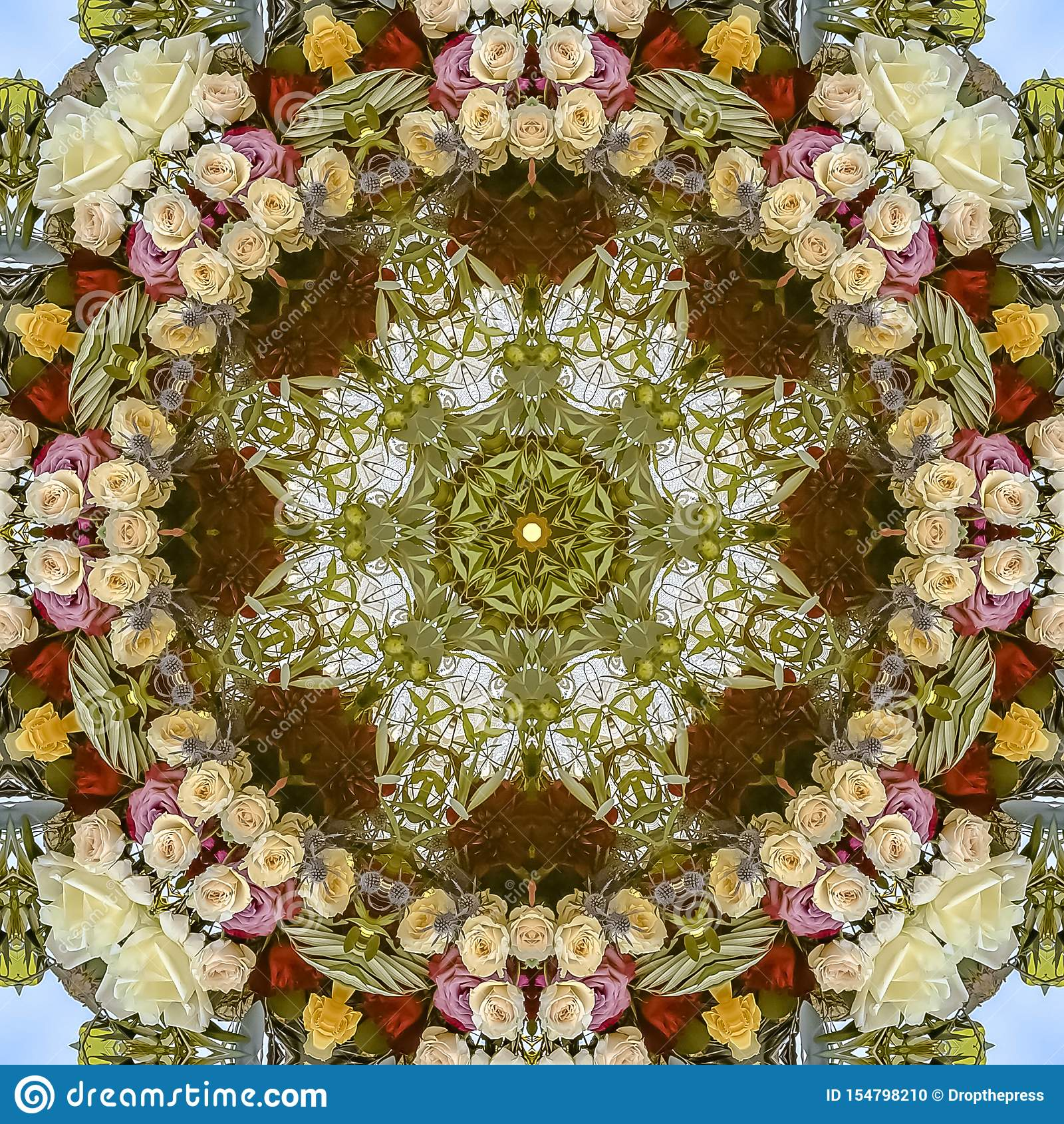 减弱的声音的方形降低了调子在圆安排的白色红色和黄色花在婚礼在加利福尼亚
