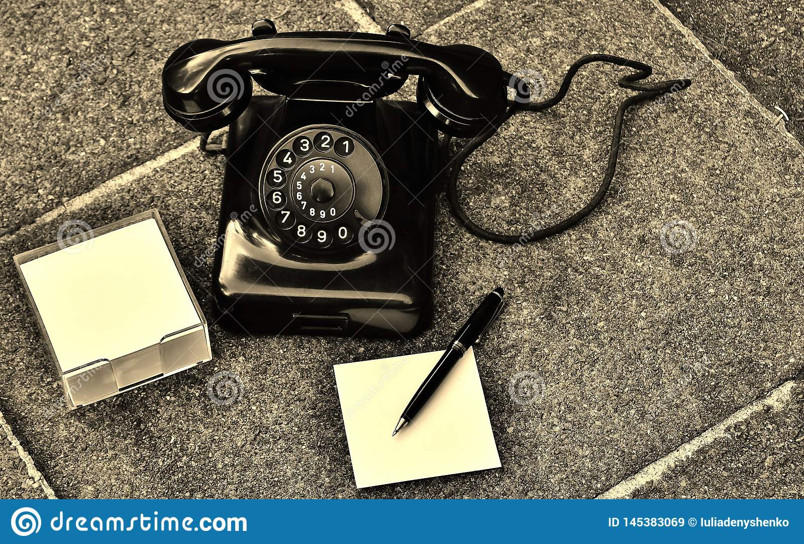 减速火箭的电话返回我们那时间的精神