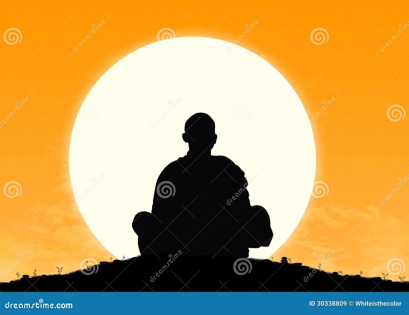 凝思的修士在日出