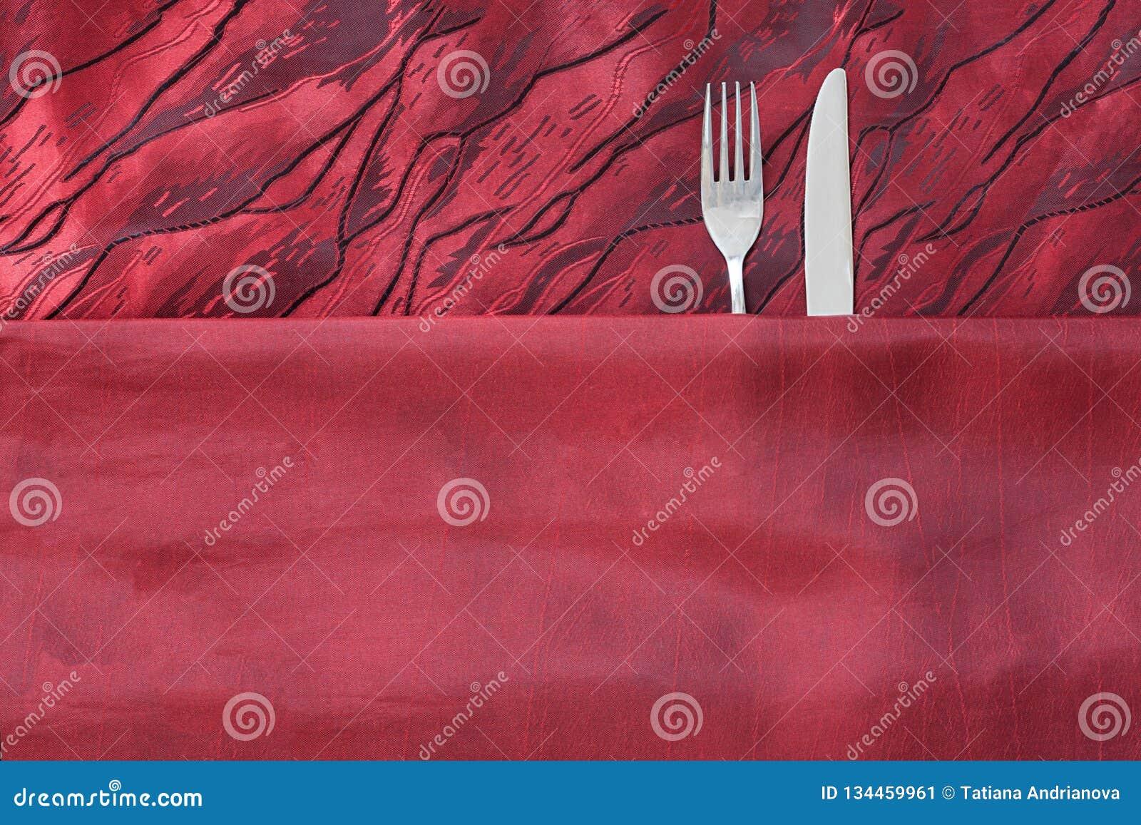 刀子和叉子象夫妇在床上