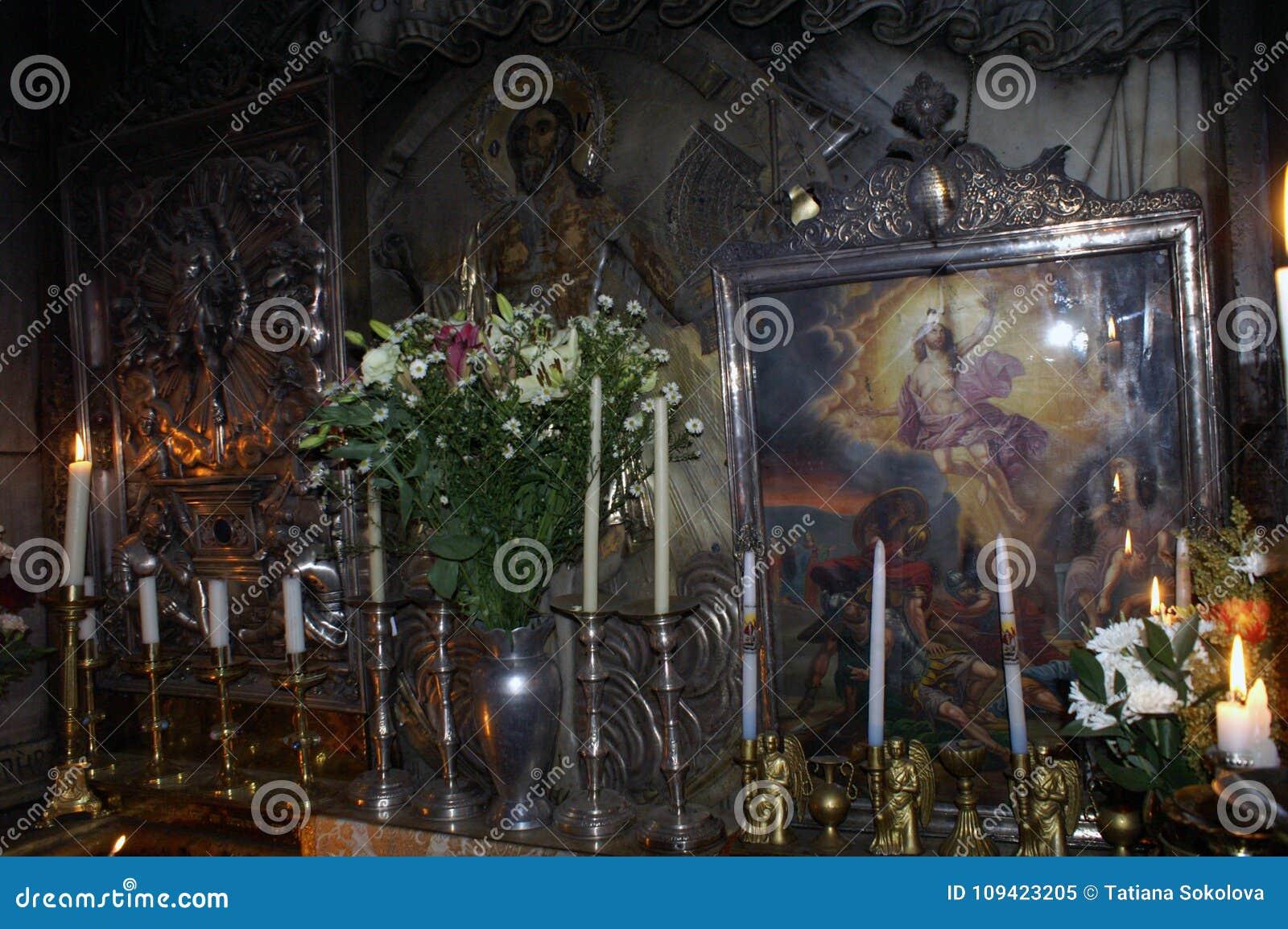 分割耶稣` s空的坟茔,他说被埋葬了和复活了