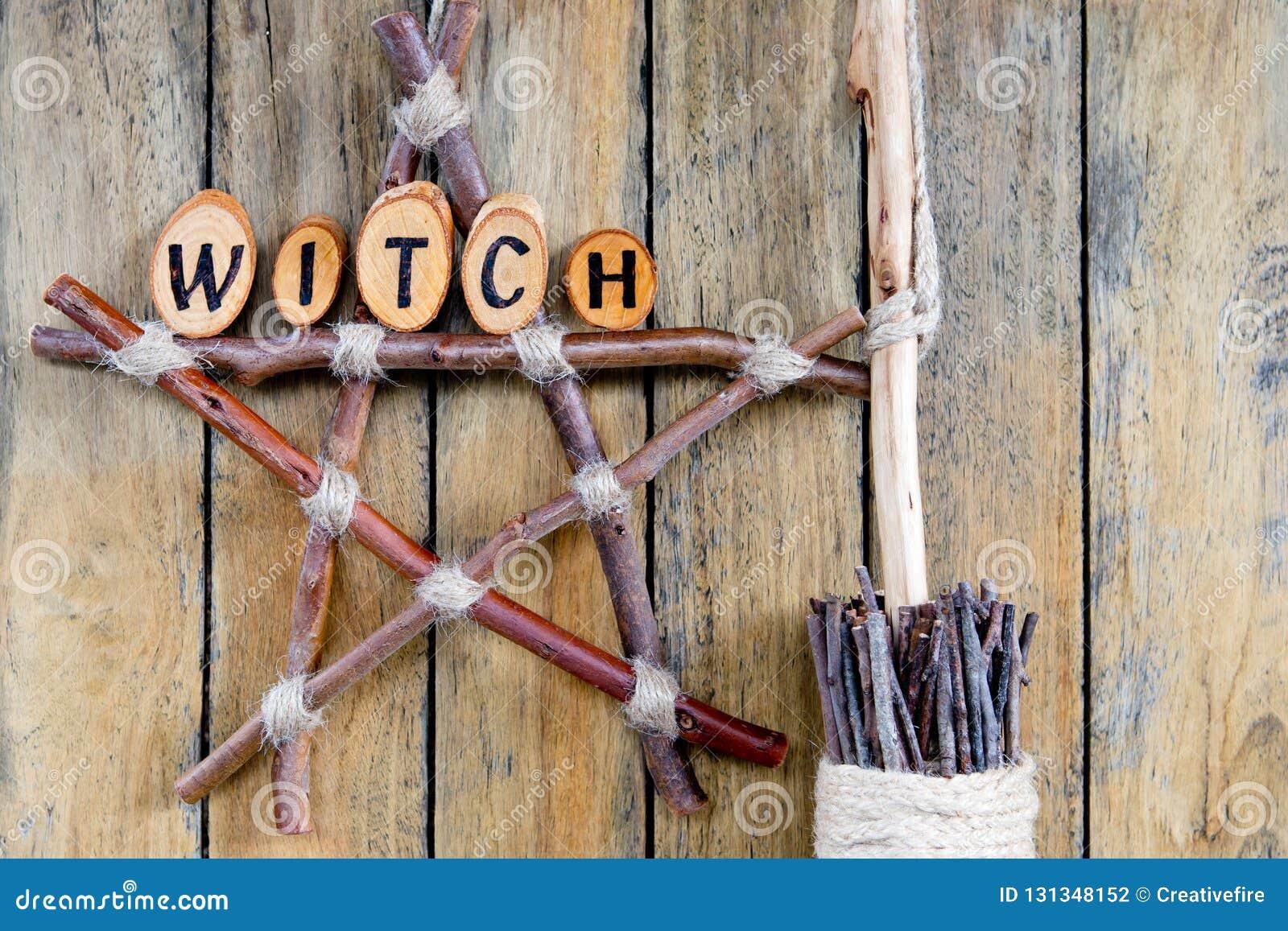 分支五角星形的巫婆用干草本和长扫帚巫婆B
