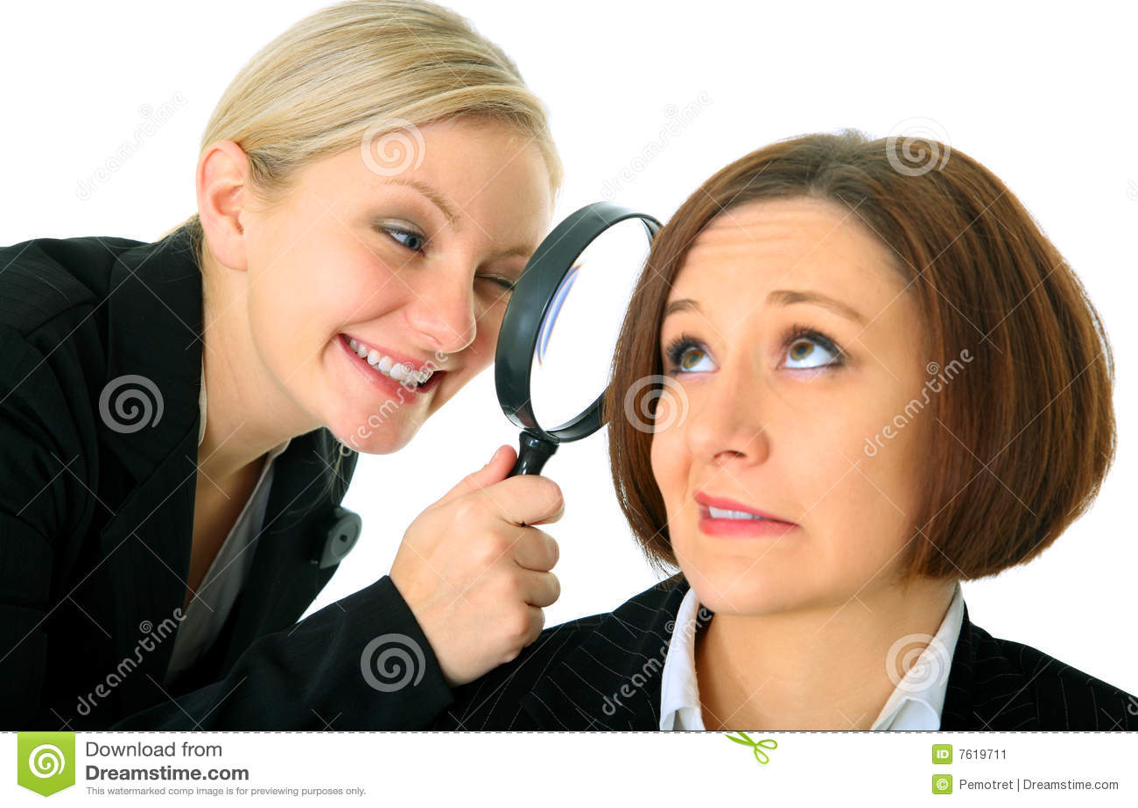 分析女实业家检查员