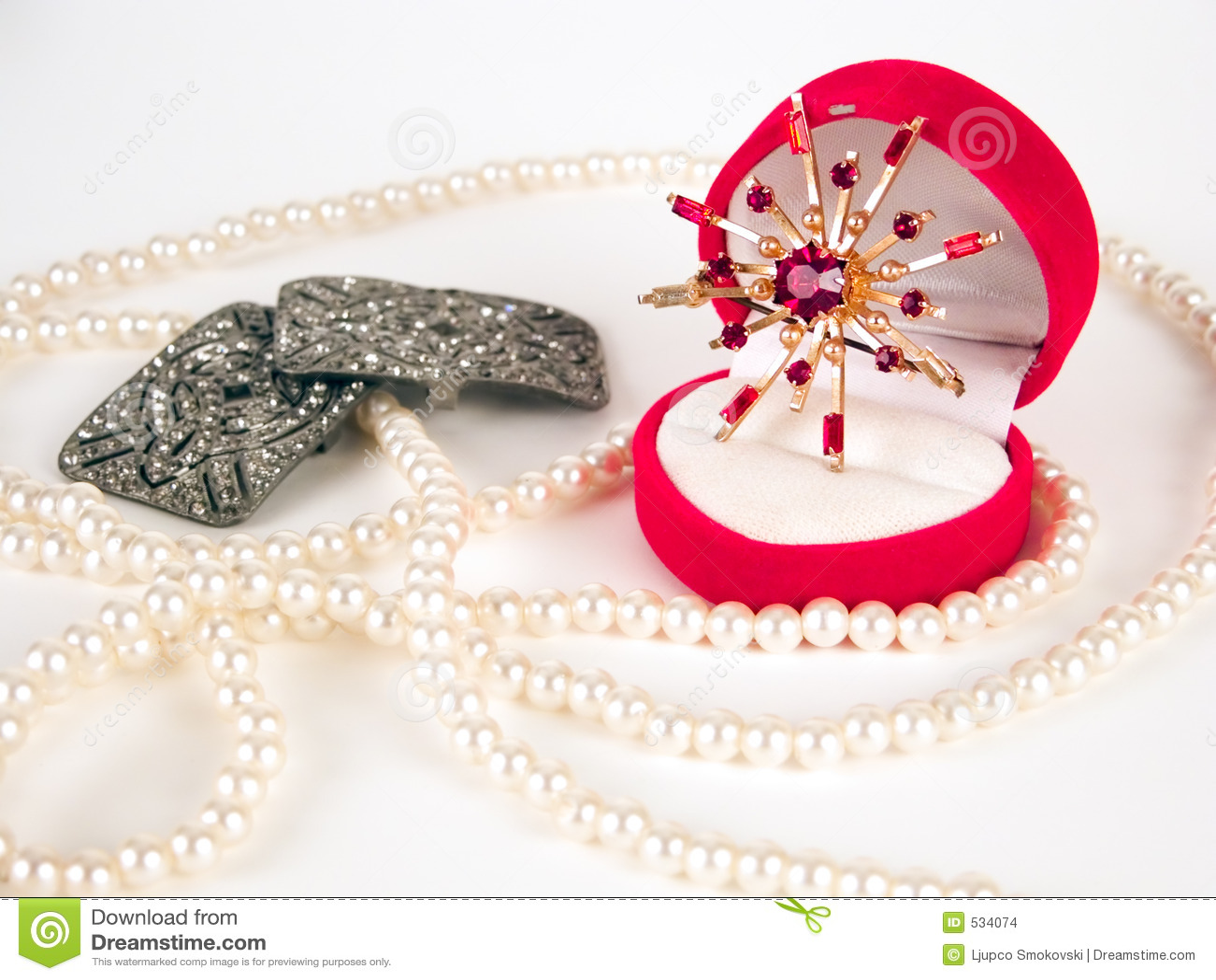 Download 别针消耗大的珍珠环形 库存照片. 图片 包括有 豪华, 链子, 项链, 订婚, 建议, beautifuler - 534074