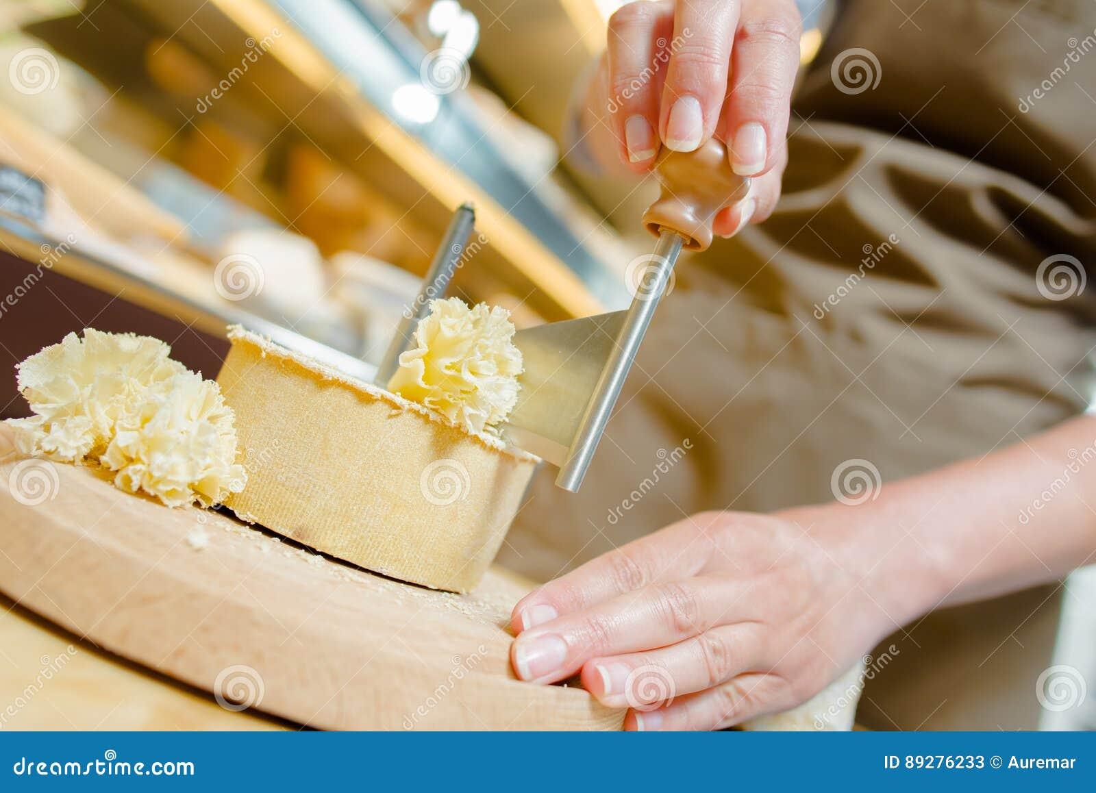 刮分层堆积乳酪