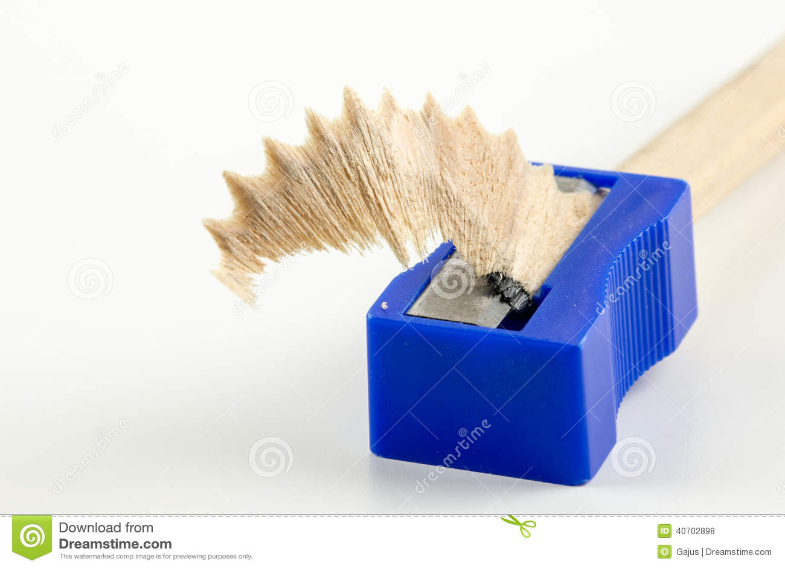 刮在铅笔刀的木头